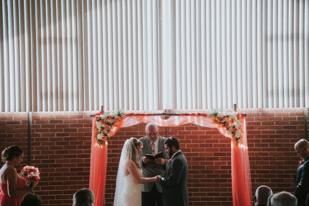 amber-and-brandon-wilmington-ohio-wedding_0019.jpg