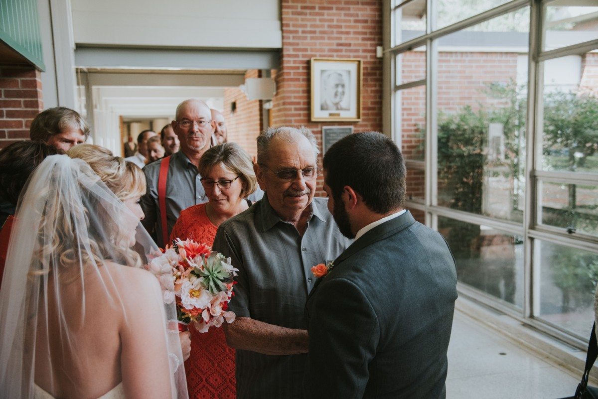 amber-and-brandon-wilmington-ohio-wedding_0022.jpg