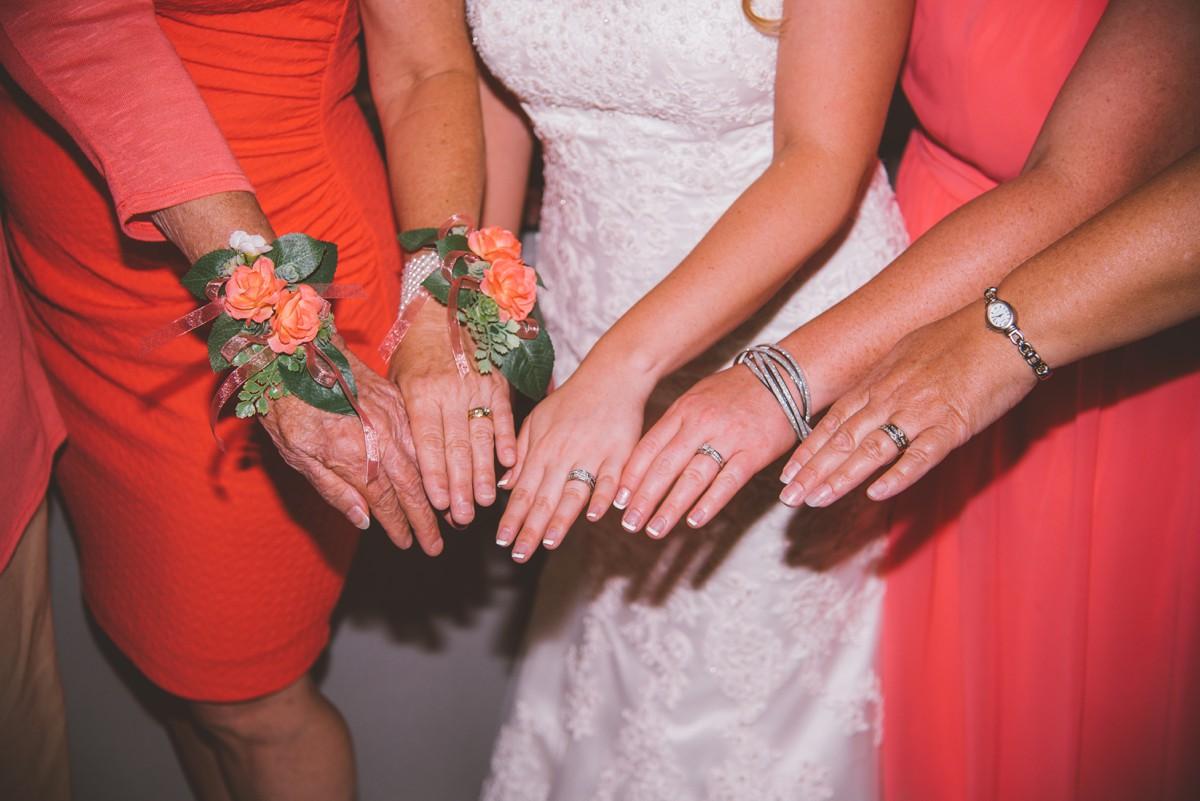 amber-and-brandon-wilmington-ohio-wedding_0036.jpg