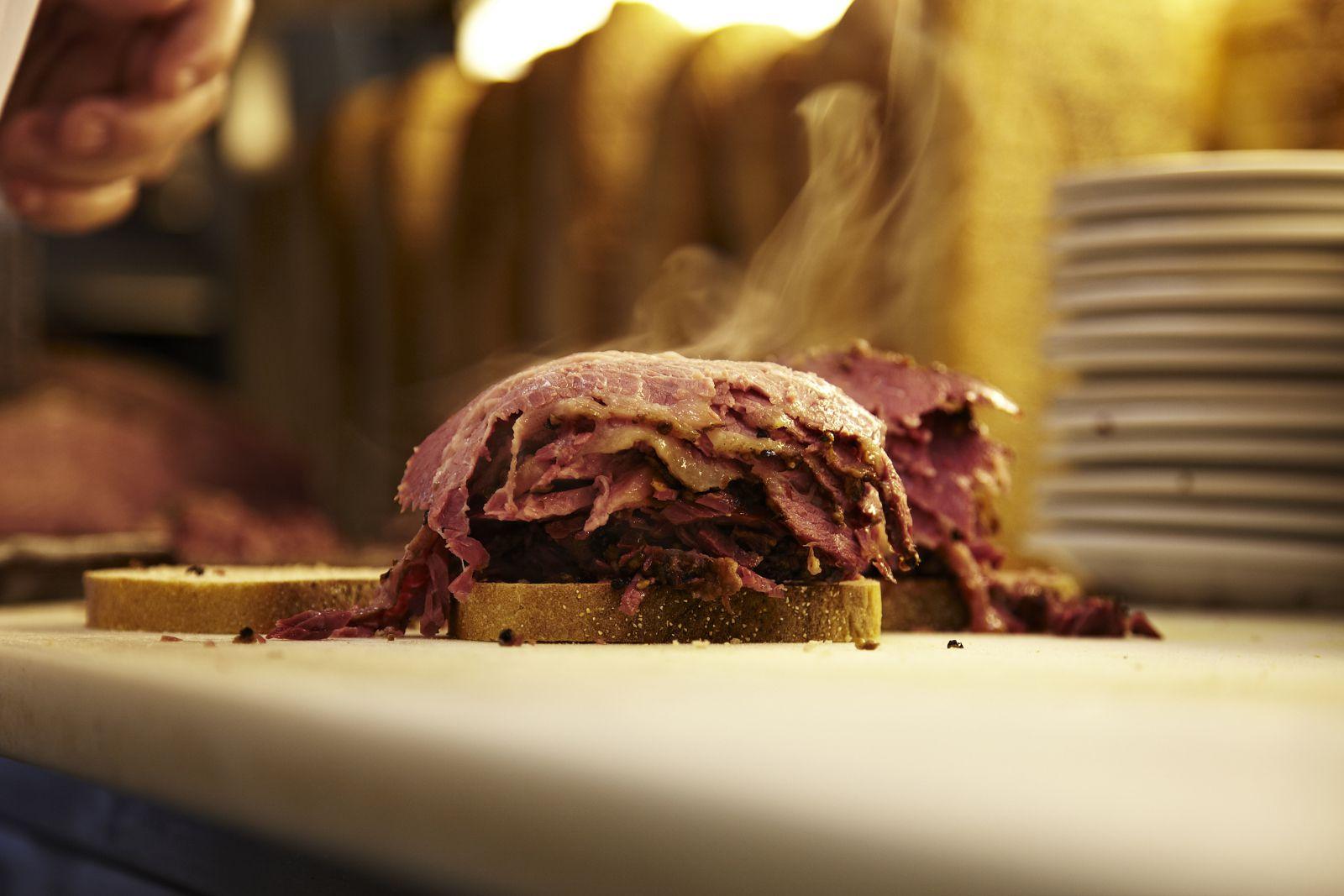 montreal-restaurants-open-christmas-day-schwartzs-finn-o-hara-getty-565b922a5f9b5835e46e7fbf.jpg