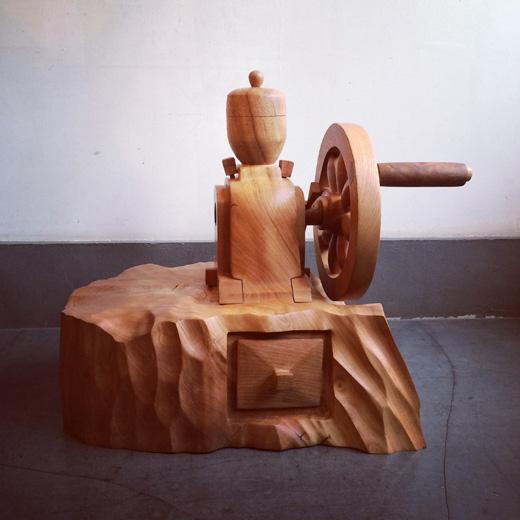 handcraft.coffeemill.woodcarving.jpg