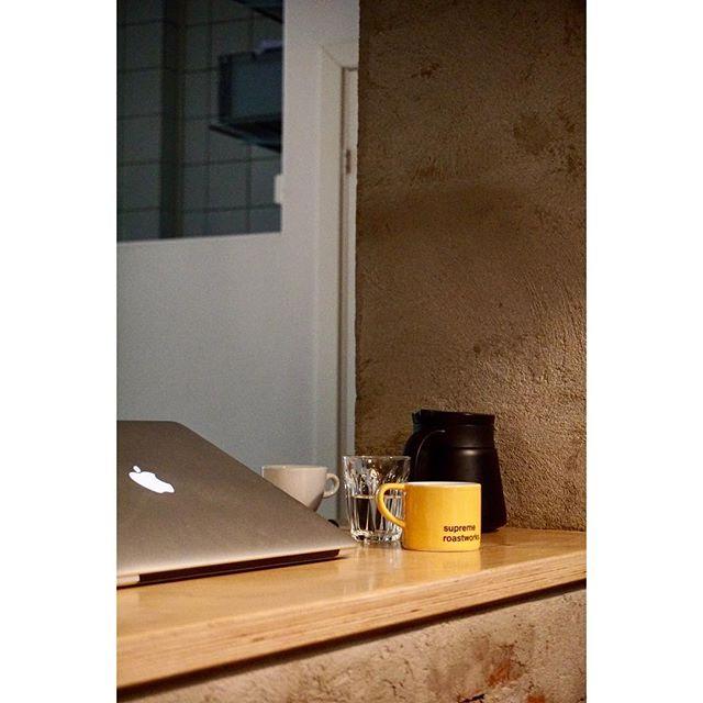 Good coffee, Good life.  #scandinavia #nordic #norway #oslo #cafe #coffee #kaffe #interior #interiordesign #design #life #lifestyle #decor #dekor #indretning #北欧 #ノルウェー #オスロ #カフェ #コーヒー #生活 #インテリア #craft #coffeeroaster #クラフト