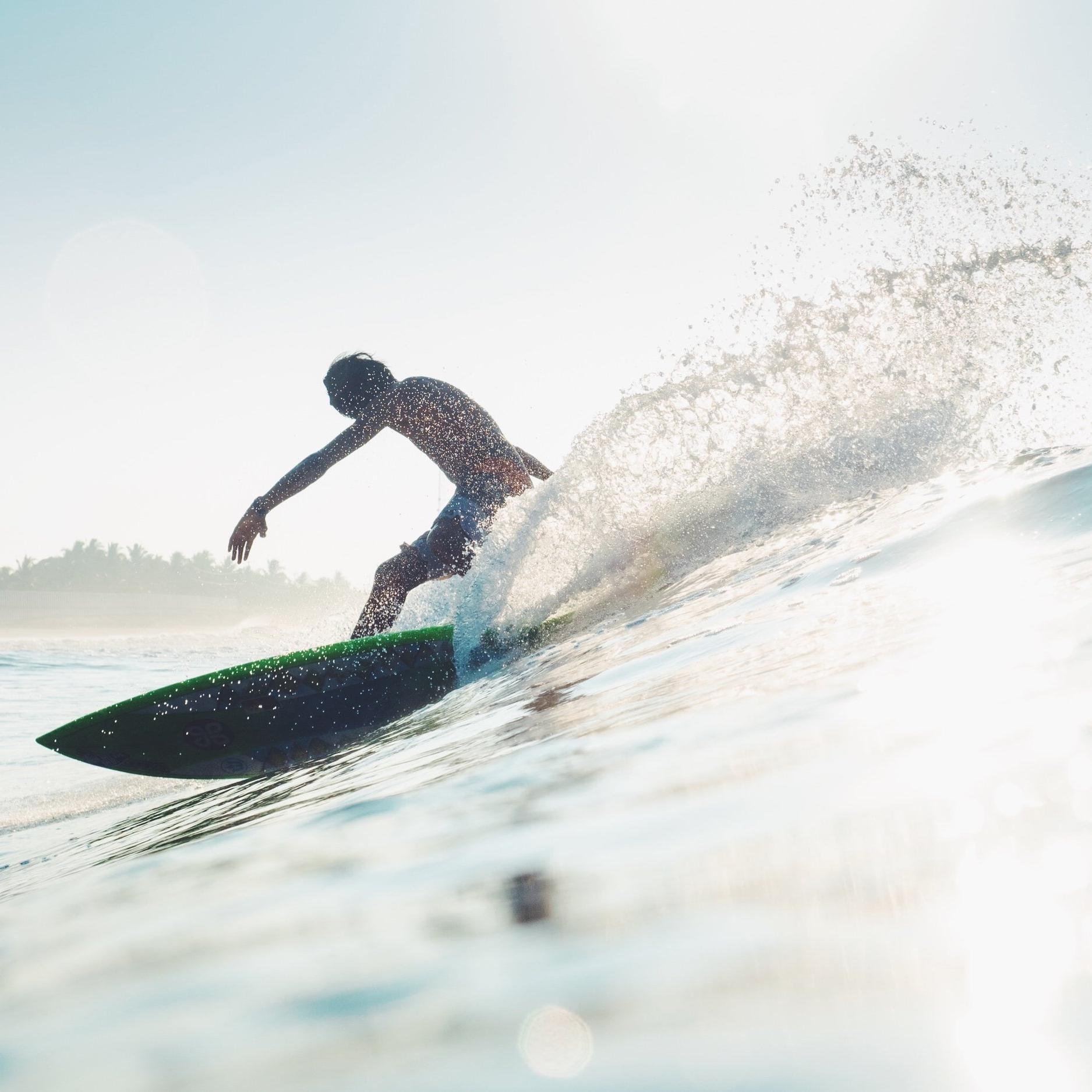 SURF TRAVEL -