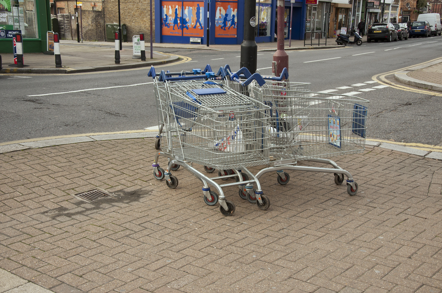 2014-Discarded-Shopping-Cart_03.jpg