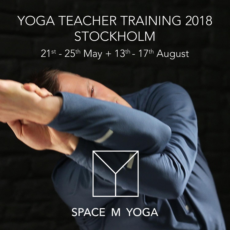 MR-yogatrainerStockholm.jpg