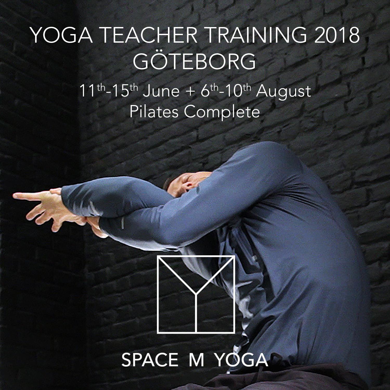 MR-yogatrainerGöteborg.jpg