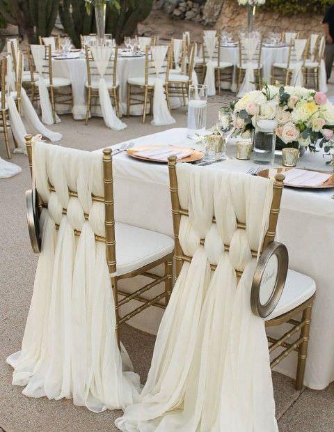chaises-de-maries-drapes-blancs.jpg