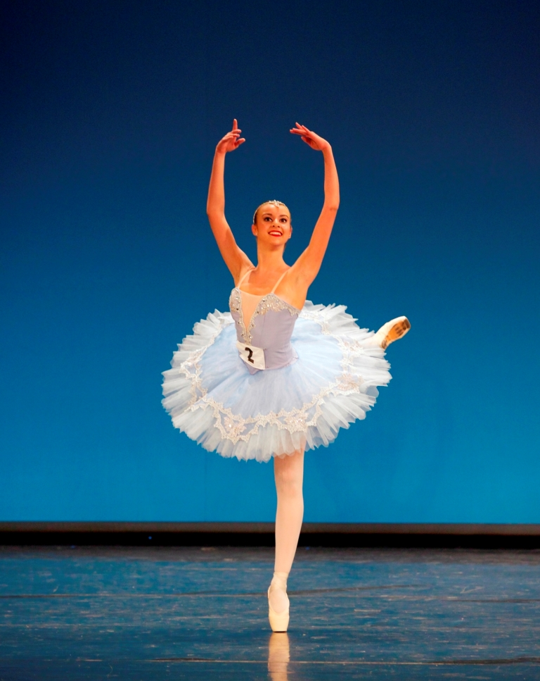silver-medallist-isabelle-brouwers-in-her-classical-variation-la-bayadc3a8re-act-iii-2nd-girl-photo-andrew-ross.jpg