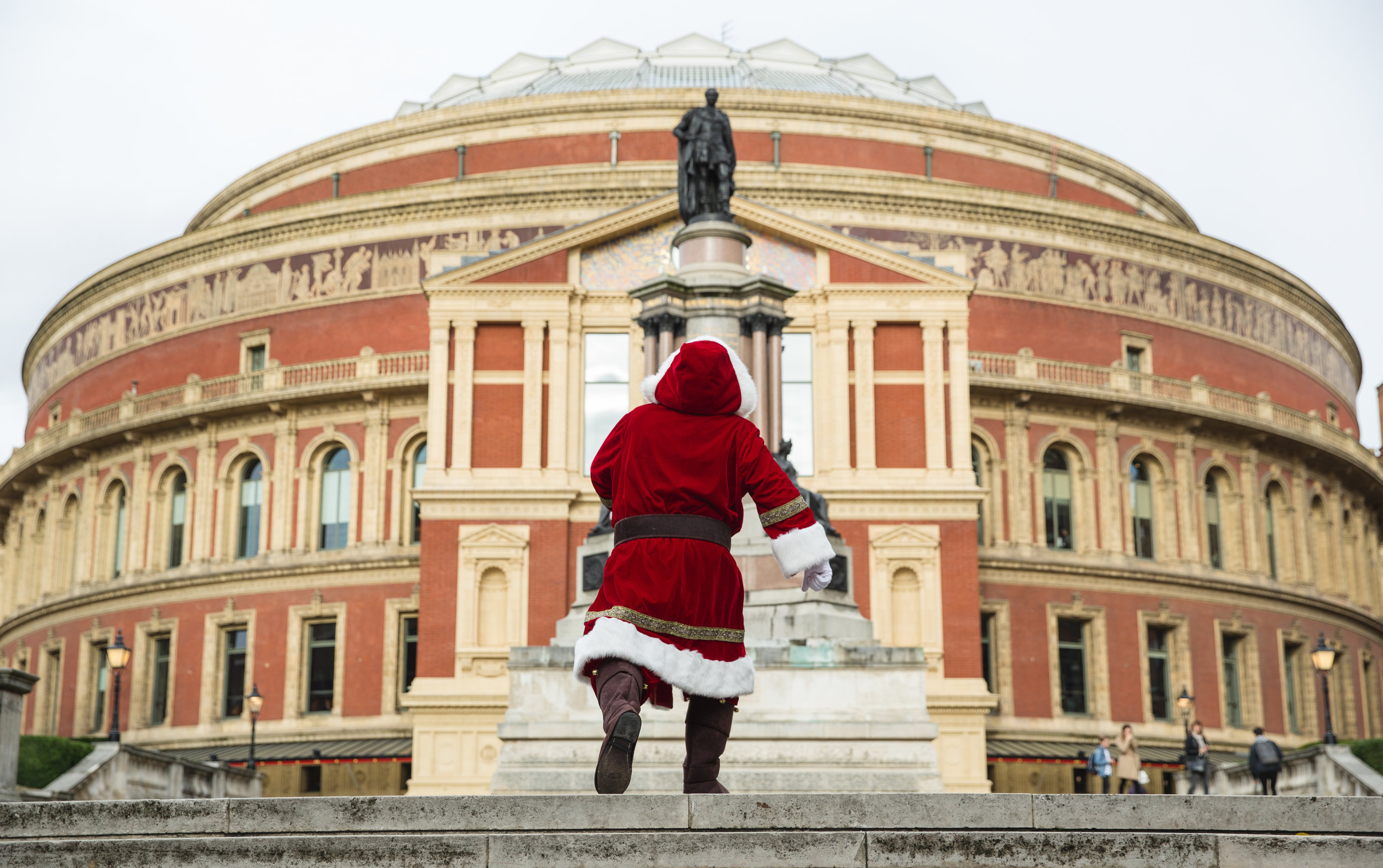 Visit Victorian Santa at the Royal Albert Hall ... treats and presents for all those smalls, that go to bed an hour early for the whole of December!