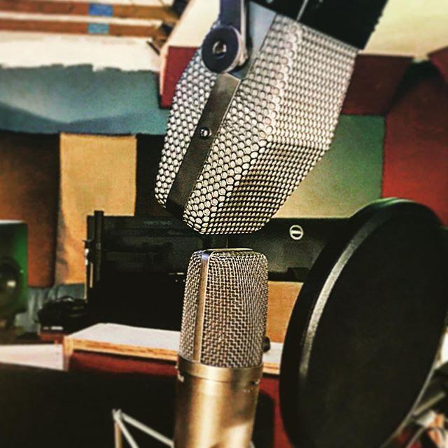 Vocal day! @pelusomicrophonelab @ribbonmics @barefootsound