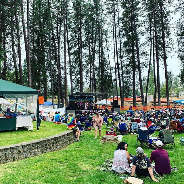 Big thanks to the @bluewatersfestival for having us this past weekend!  We had a great time at the festival, really enjoyed teaching the kids camp, met tons of amazing music lovers, and had a great time hanging with @woodandwireband, #whiskeydeaf, and @highfidelitybluegrass.