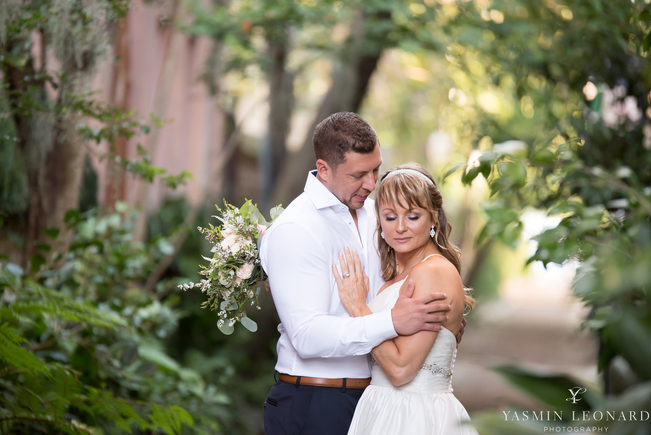 Downtown Charleston Wedding - NC Wedding Photographer -20.jpg