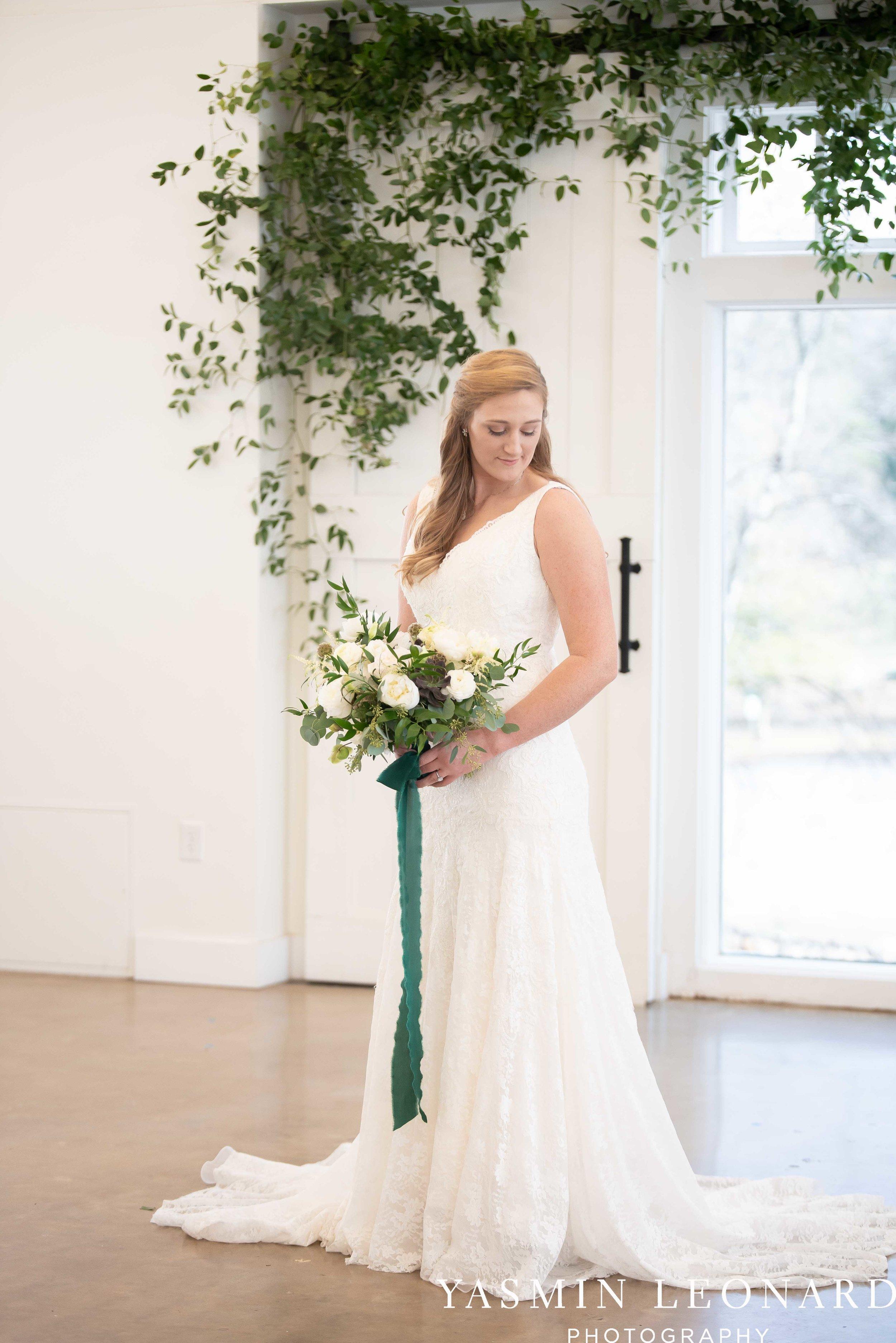 Barn at Reynolda Village - Winston Salem Wedding - White and Green Wedding - NC Wedding - NC Barns - Yasmin Leonard Photography-15.jpg