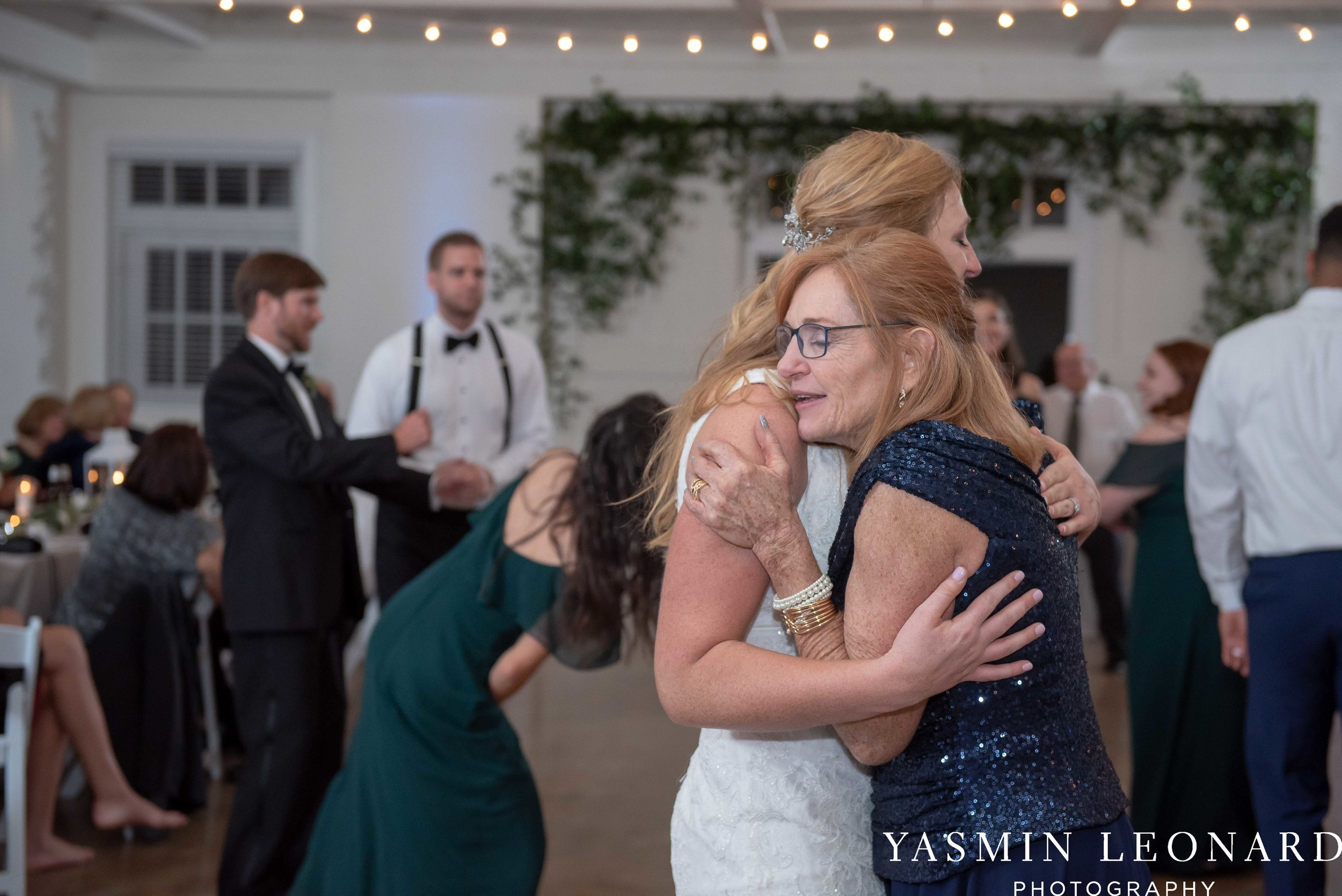 Barn at Reynolda Village - Winston Salem Wedding - White and Green Wedding - NC Wedding - NC Barns - Yasmin Leonard Photography-104.jpg