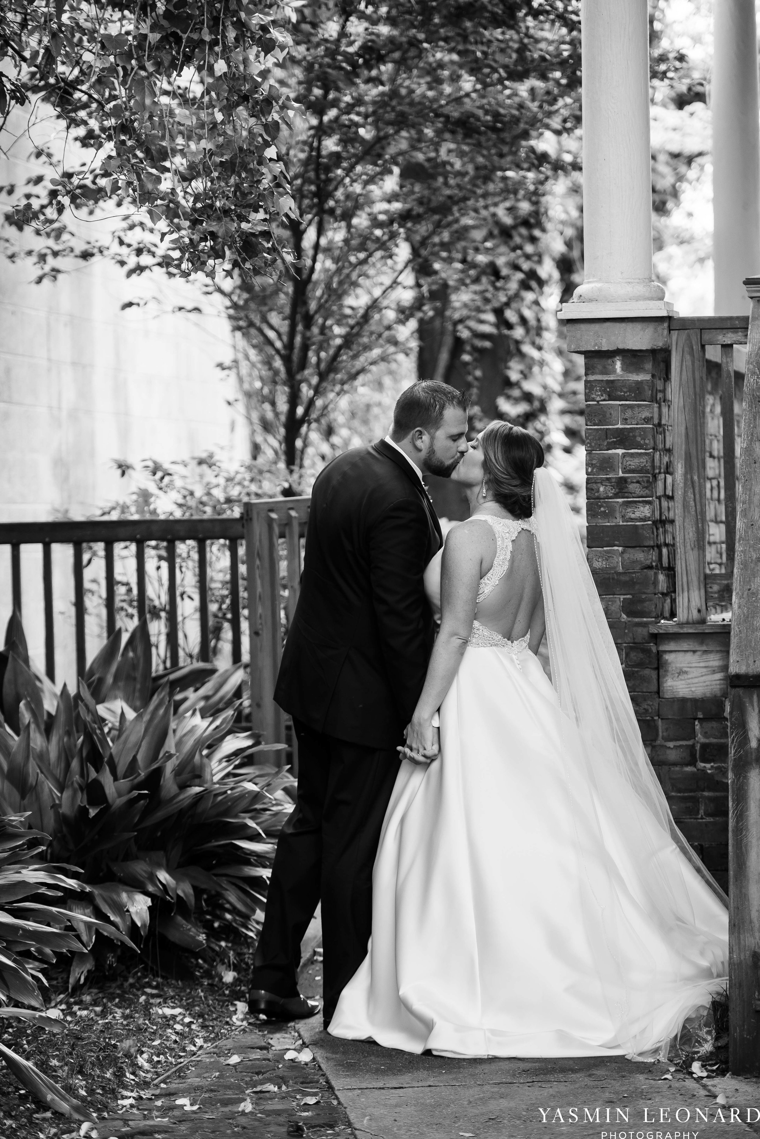 Wilmington Weddings - Brooklyn Arts Center - Downtown Wilmington Weddings - NC Beach Weddings - NC Wedding Photographer - NC Weddings - Wilmington Wedding Venues - Yasmin Leonard Photography-47.jpg