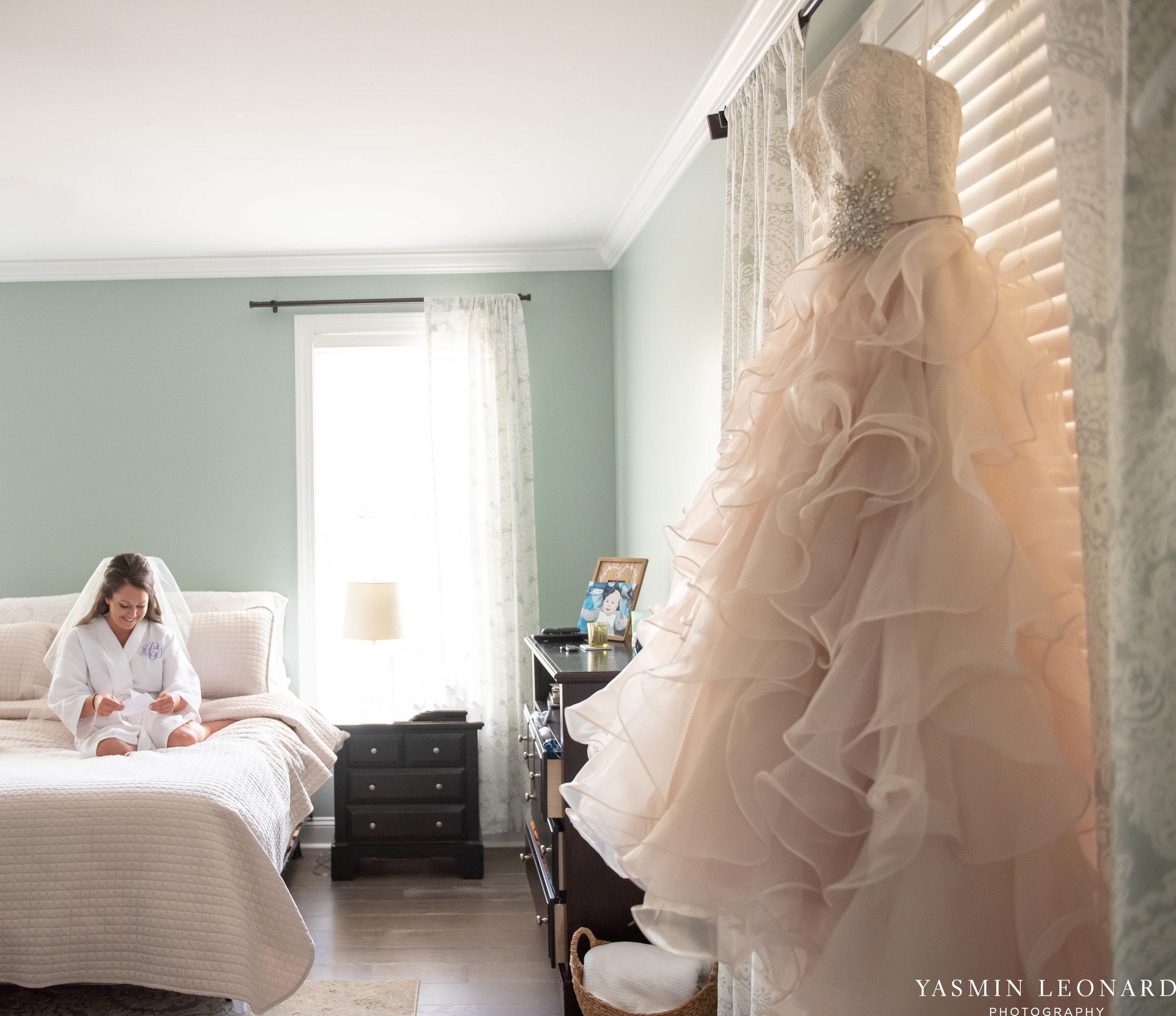 Rain on your wedding day - Rainy Wedding - Plan B for Rain - What to do if it rains on your wedding day - Wedding Inspiration - Outdoor wedding ideas - Rainy Wedding Pictures - Yasmin Leonard Photography-1.jpg