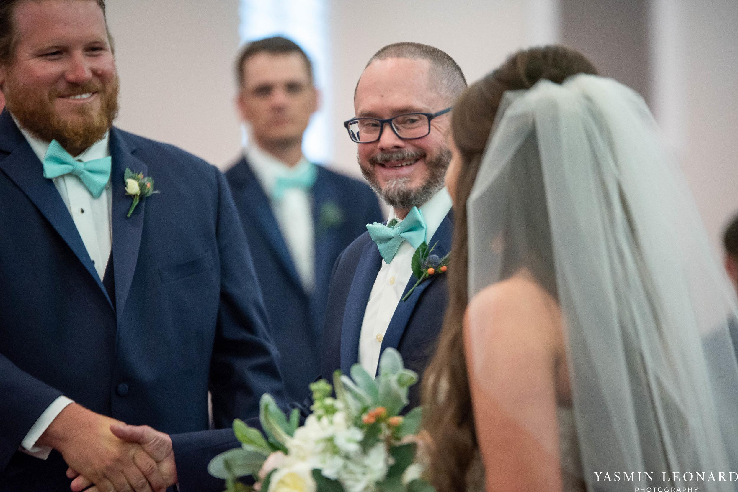 Rain on your wedding day - Rainy Wedding - Plan B for Rain - What to do if it rains on your wedding day - Wedding Inspiration - Outdoor wedding ideas - Rainy Wedding Pictures - Yasmin Leonard Photography-16.jpg