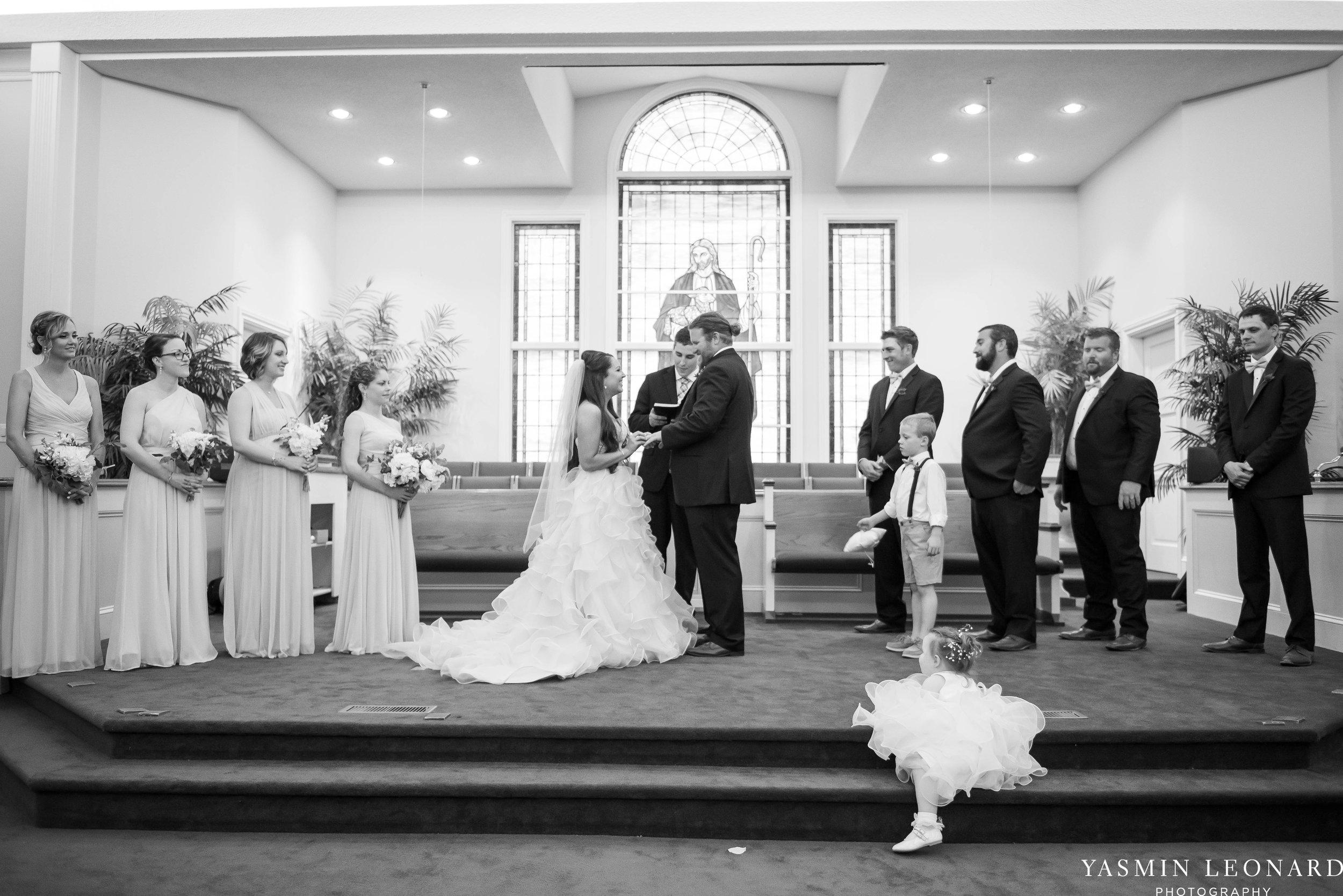 Rain on your wedding day - Rainy Wedding - Plan B for Rain - What to do if it rains on your wedding day - Wedding Inspiration - Outdoor wedding ideas - Rainy Wedding Pictures - Yasmin Leonard Photography-23.jpg