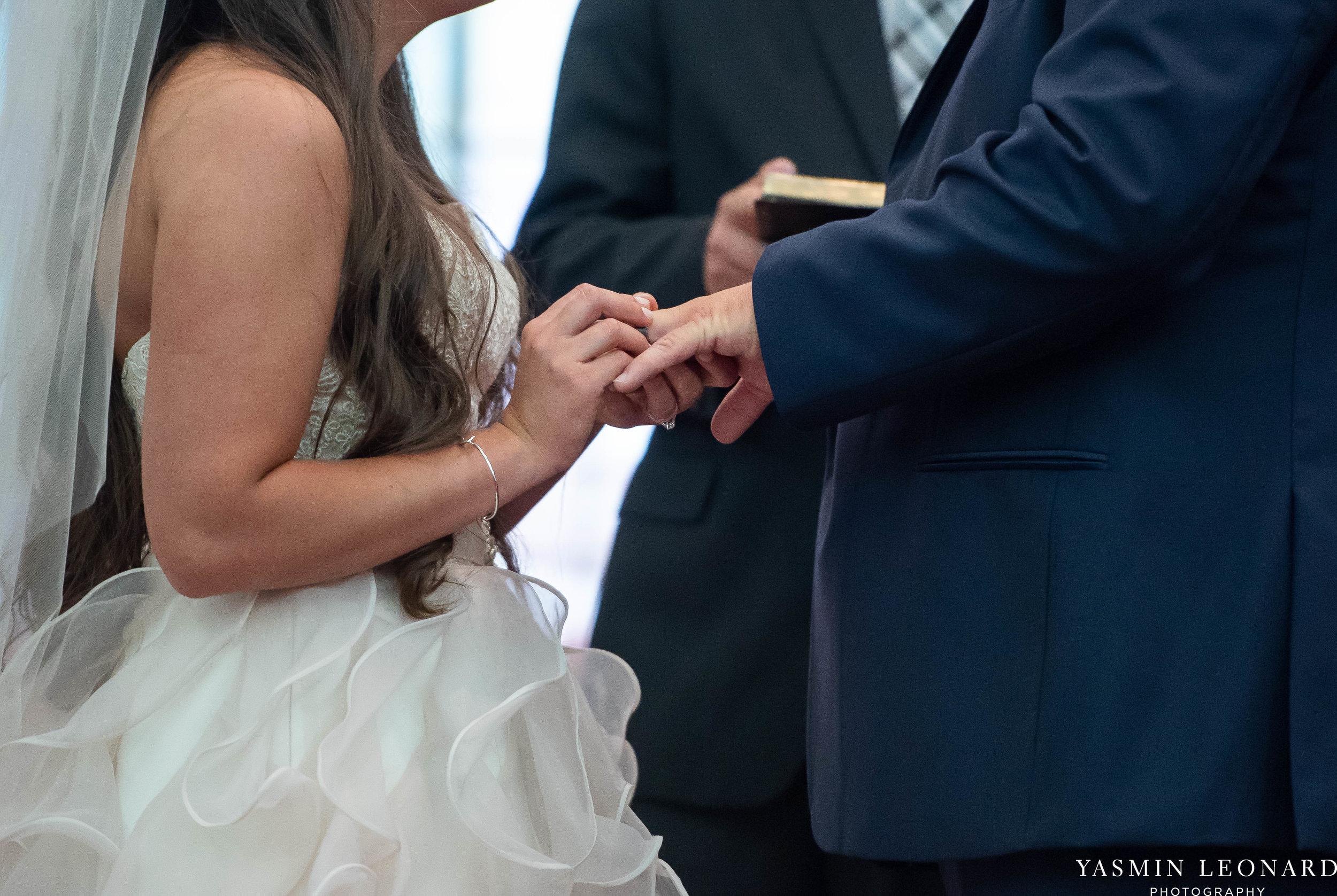 Rain on your wedding day - Rainy Wedding - Plan B for Rain - What to do if it rains on your wedding day - Wedding Inspiration - Outdoor wedding ideas - Rainy Wedding Pictures - Yasmin Leonard Photography-24.jpg
