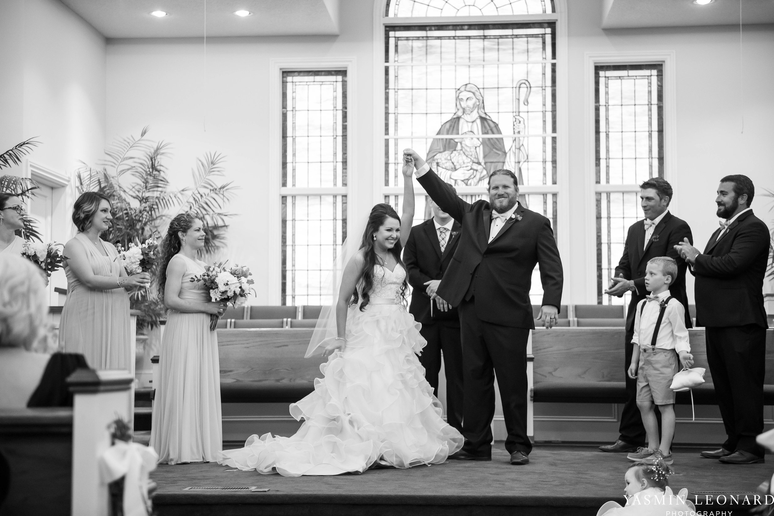 Rain on your wedding day - Rainy Wedding - Plan B for Rain - What to do if it rains on your wedding day - Wedding Inspiration - Outdoor wedding ideas - Rainy Wedding Pictures - Yasmin Leonard Photography-26.jpg