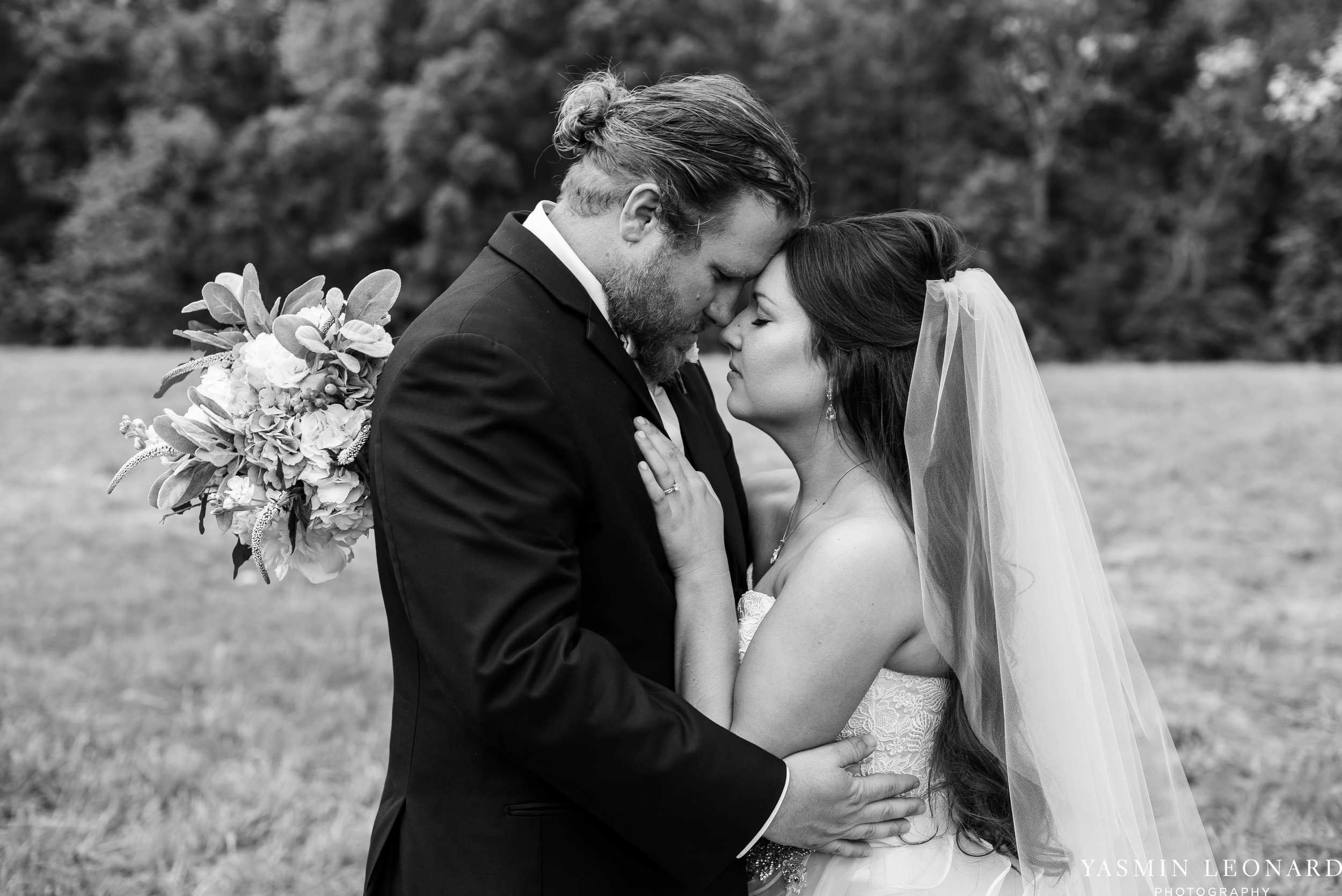 Rain on your wedding day - Rainy Wedding - Plan B for Rain - What to do if it rains on your wedding day - Wedding Inspiration - Outdoor wedding ideas - Rainy Wedding Pictures - Yasmin Leonard Photography-43.jpg