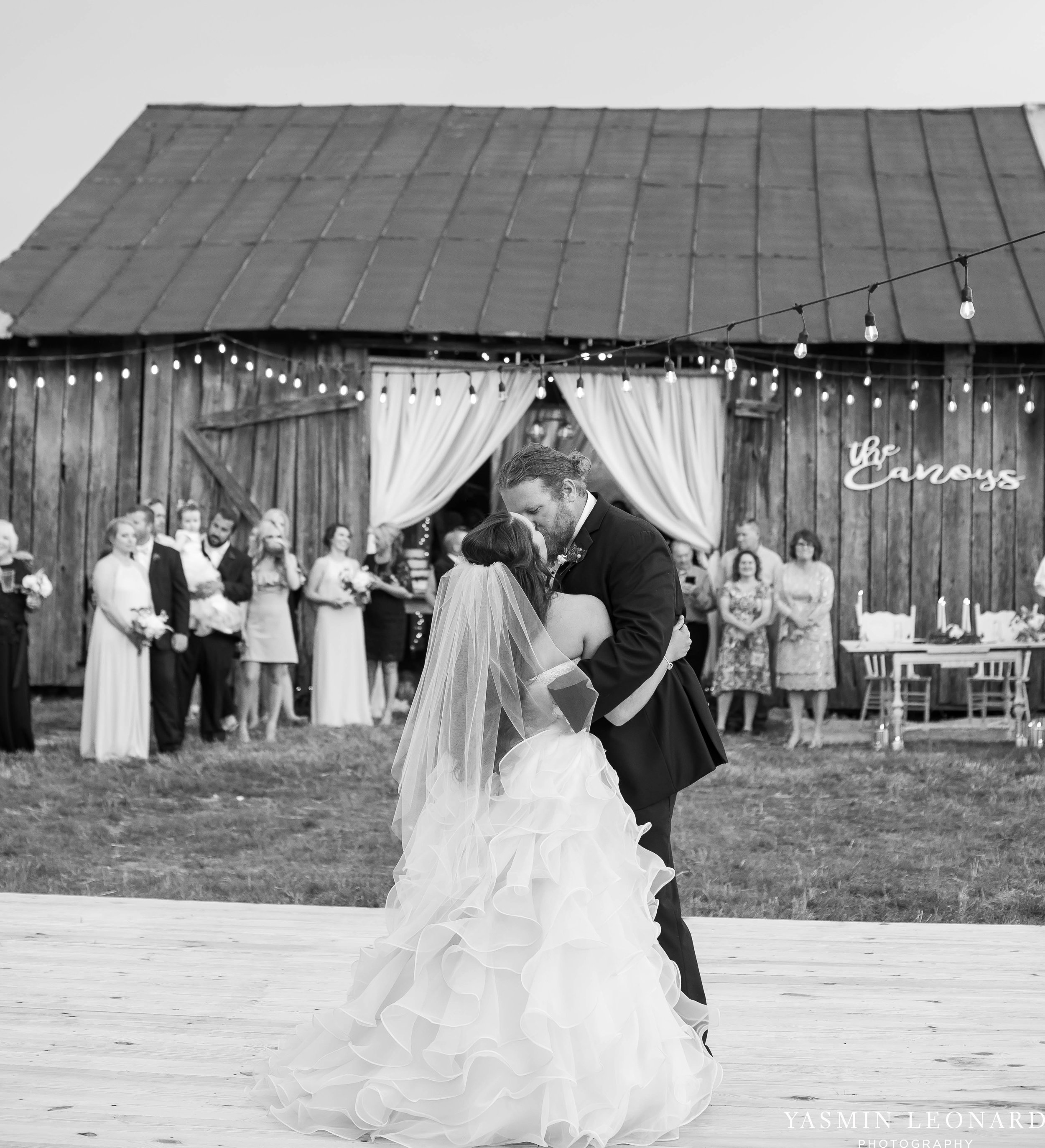 Rain on your wedding day - Rainy Wedding - Plan B for Rain - What to do if it rains on your wedding day - Wedding Inspiration - Outdoor wedding ideas - Rainy Wedding Pictures - Yasmin Leonard Photography-54.jpg