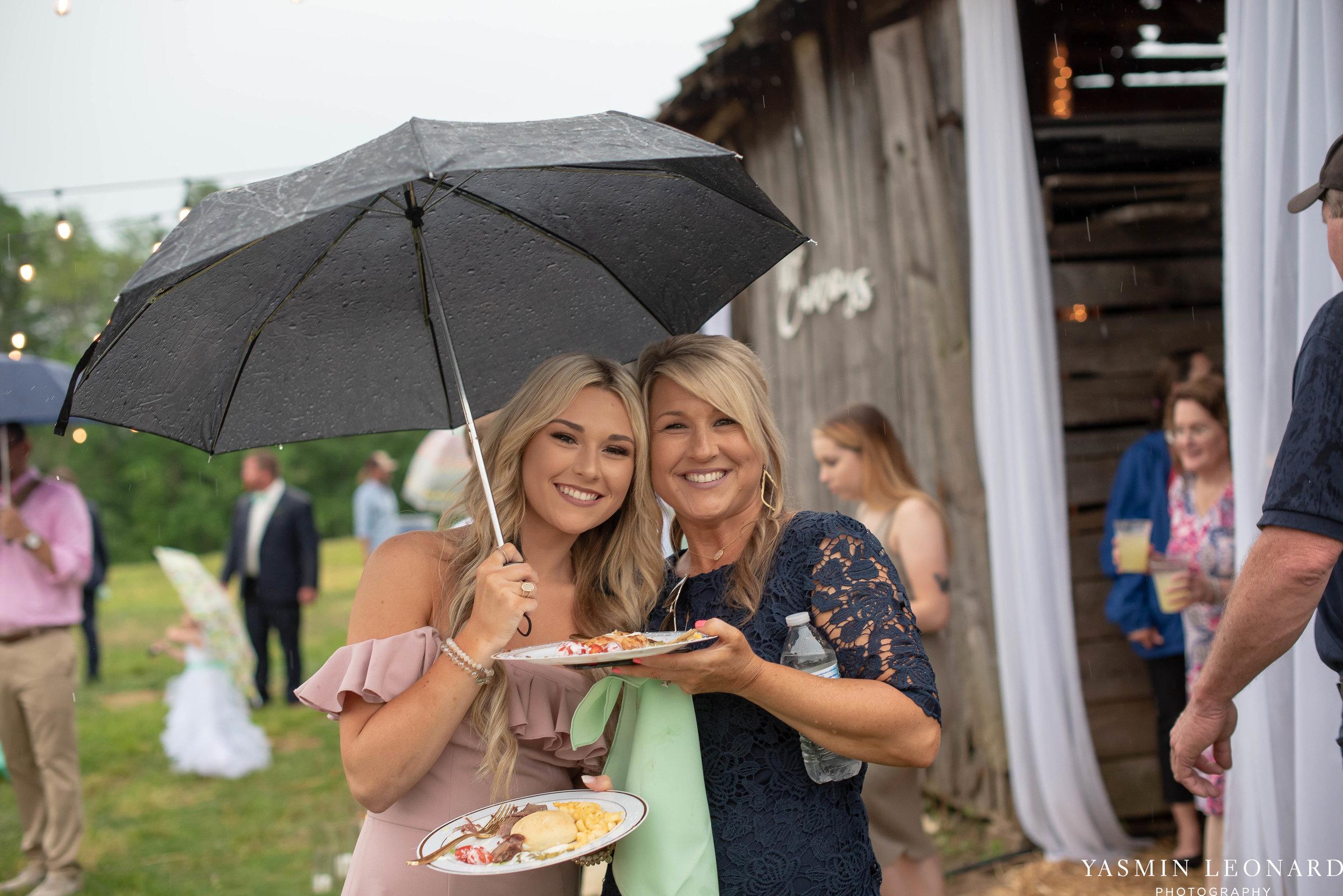 Rain on your wedding day - Rainy Wedding - Plan B for Rain - What to do if it rains on your wedding day - Wedding Inspiration - Outdoor wedding ideas - Rainy Wedding Pictures - Yasmin Leonard Photography-57.jpg