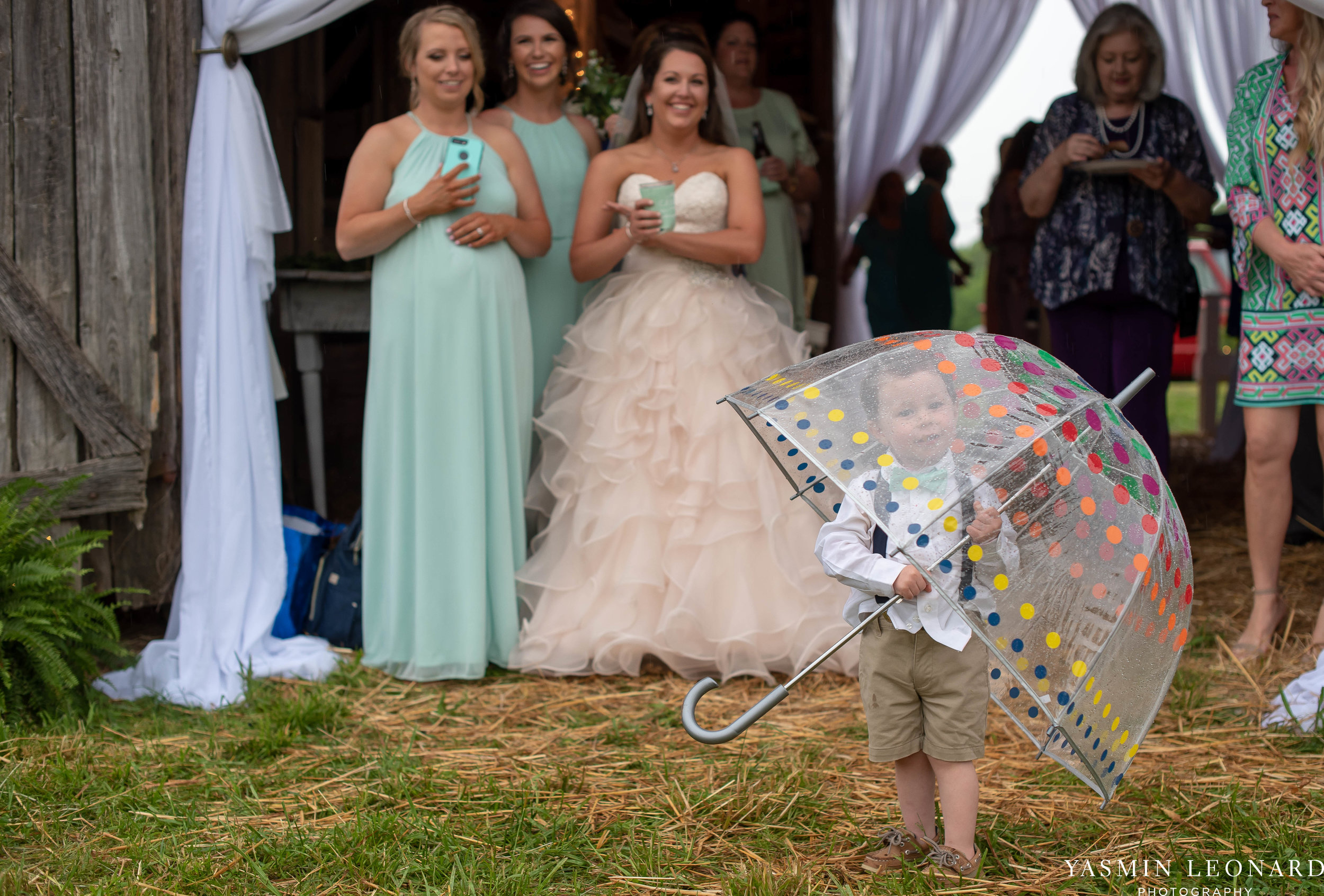 Rain on your wedding day - Rainy Wedding - Plan B for Rain - What to do if it rains on your wedding day - Wedding Inspiration - Outdoor wedding ideas - Rainy Wedding Pictures - Yasmin Leonard Photography-58.jpg
