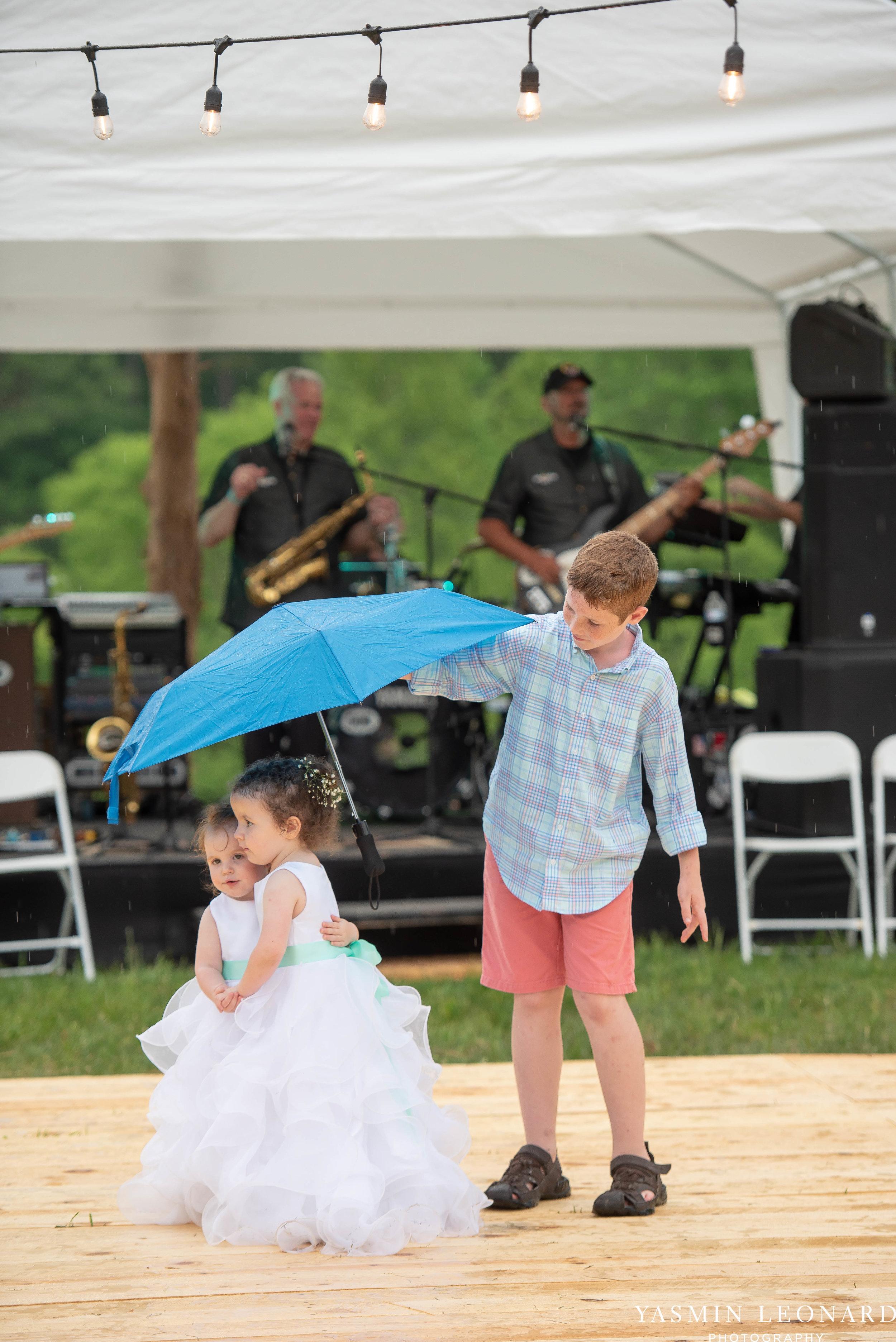 Rain on your wedding day - Rainy Wedding - Plan B for Rain - What to do if it rains on your wedding day - Wedding Inspiration - Outdoor wedding ideas - Rainy Wedding Pictures - Yasmin Leonard Photography-63.jpg