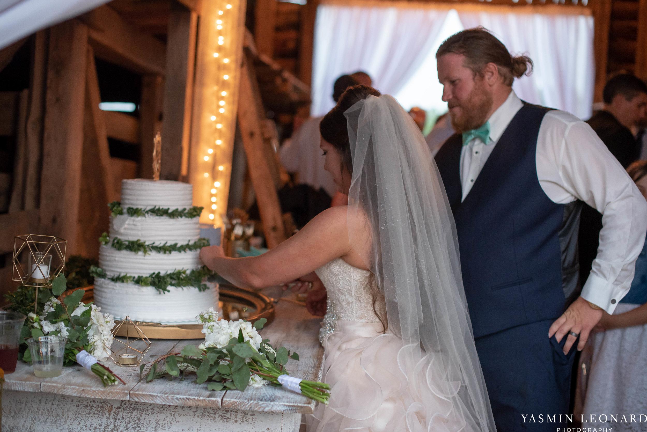 Rain on your wedding day - Rainy Wedding - Plan B for Rain - What to do if it rains on your wedding day - Wedding Inspiration - Outdoor wedding ideas - Rainy Wedding Pictures - Yasmin Leonard Photography-65.jpg