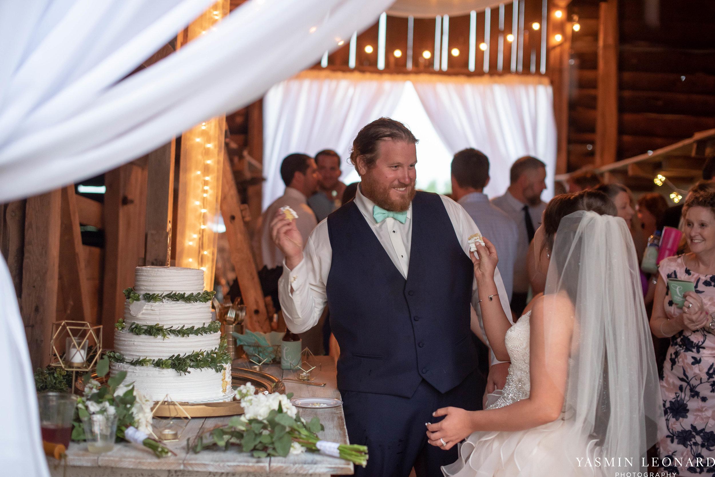 Rain on your wedding day - Rainy Wedding - Plan B for Rain - What to do if it rains on your wedding day - Wedding Inspiration - Outdoor wedding ideas - Rainy Wedding Pictures - Yasmin Leonard Photography-66.jpg