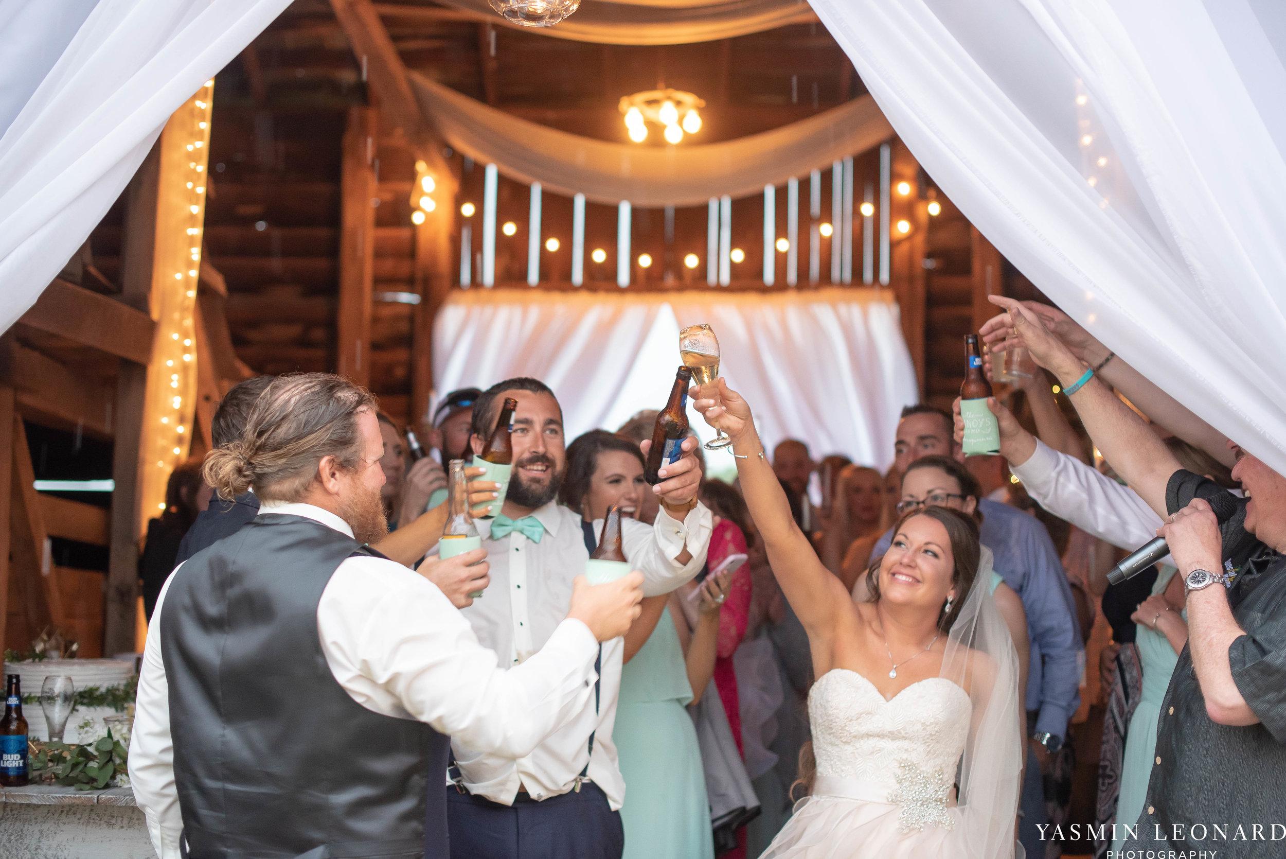 Rain on your wedding day - Rainy Wedding - Plan B for Rain - What to do if it rains on your wedding day - Wedding Inspiration - Outdoor wedding ideas - Rainy Wedding Pictures - Yasmin Leonard Photography-72.jpg