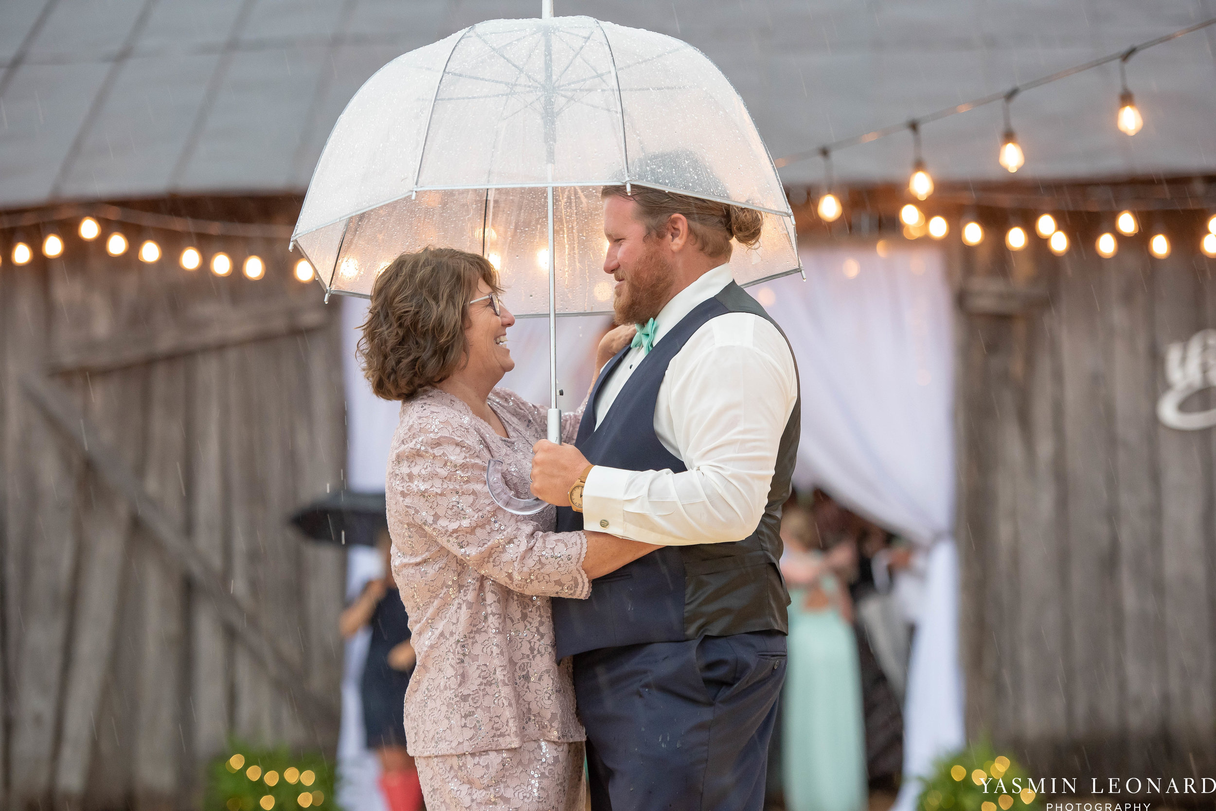 Rain on your wedding day - Rainy Wedding - Plan B for Rain - What to do if it rains on your wedding day - Wedding Inspiration - Outdoor wedding ideas - Rainy Wedding Pictures - Yasmin Leonard Photography-75.jpg