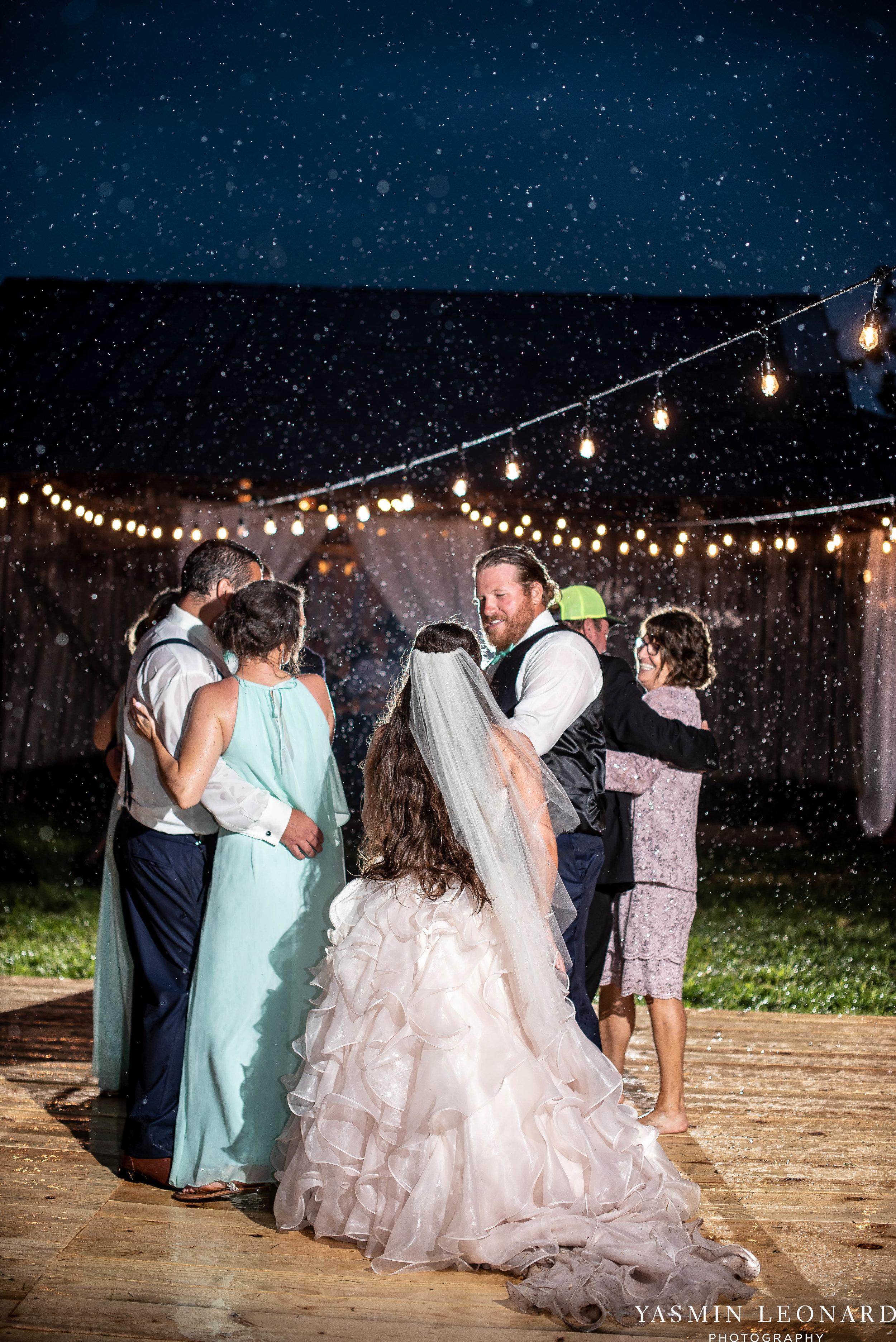 Rain on your wedding day - Rainy Wedding - Plan B for Rain - What to do if it rains on your wedding day - Wedding Inspiration - Outdoor wedding ideas - Rainy Wedding Pictures - Yasmin Leonard Photography-80.jpg