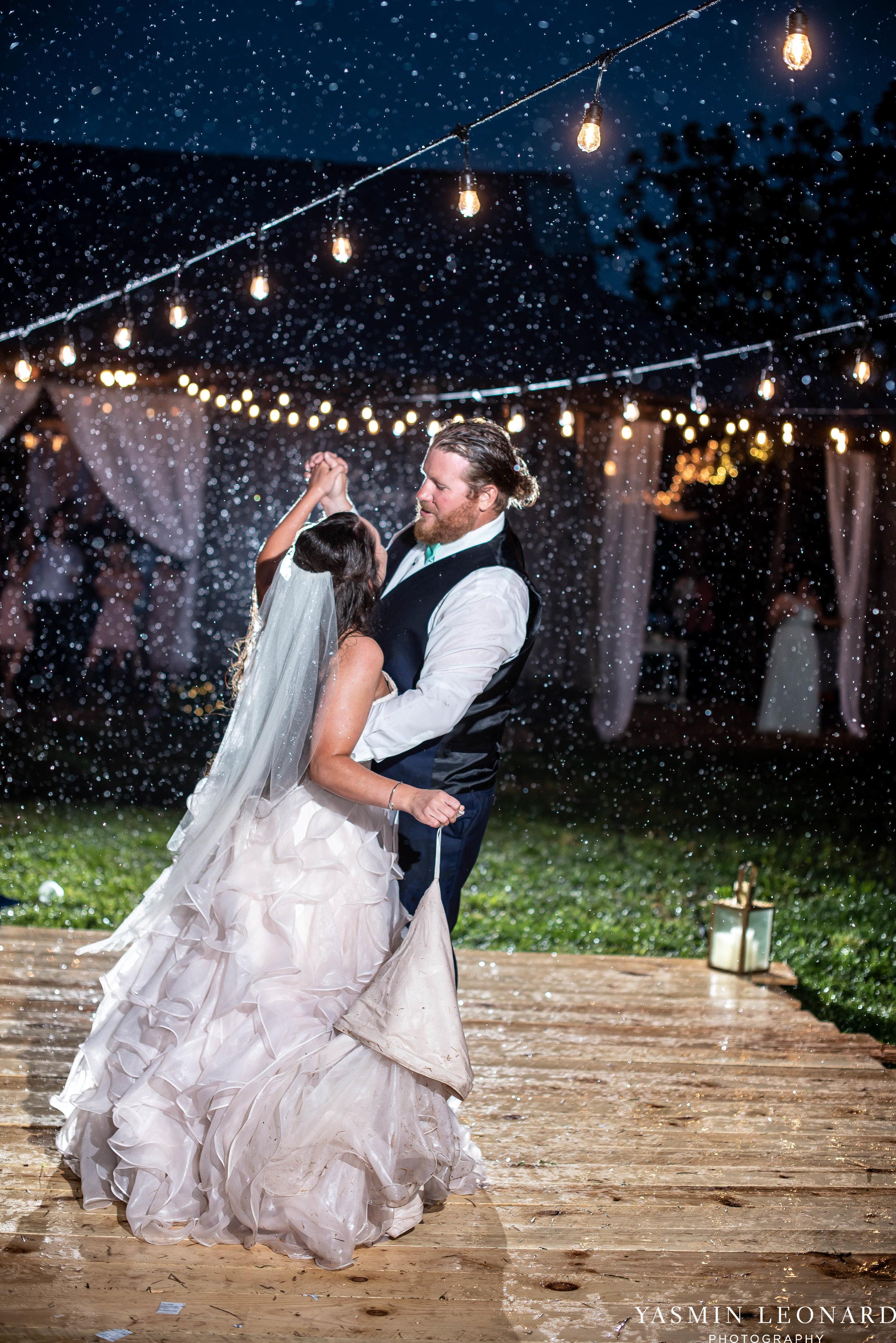 Rain on your wedding day - Rainy Wedding - Plan B for Rain - What to do if it rains on your wedding day - Wedding Inspiration - Outdoor wedding ideas - Rainy Wedding Pictures - Yasmin Leonard Photography-81.jpg