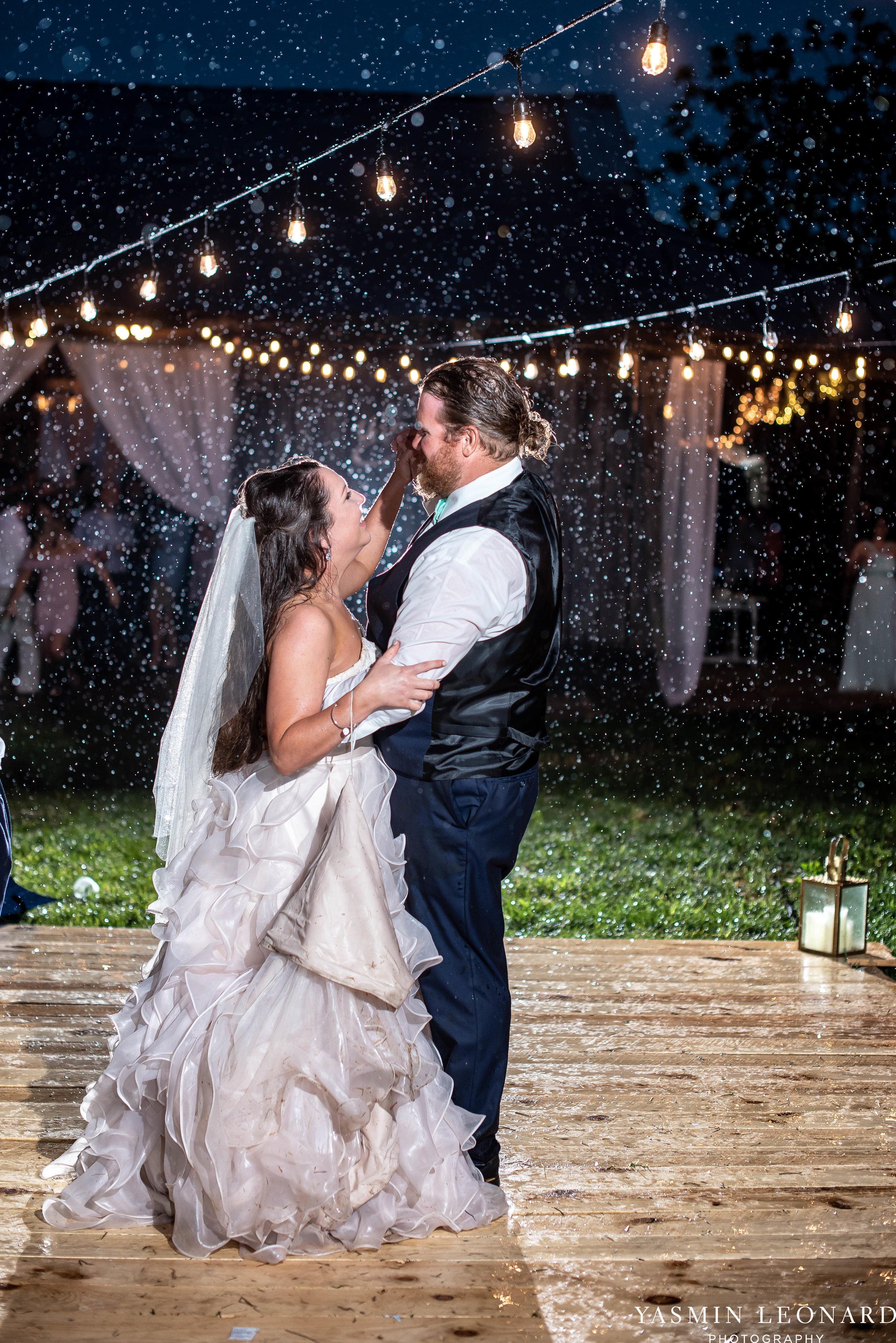 Rain on your wedding day - Rainy Wedding - Plan B for Rain - What to do if it rains on your wedding day - Wedding Inspiration - Outdoor wedding ideas - Rainy Wedding Pictures - Yasmin Leonard Photography-82.jpg