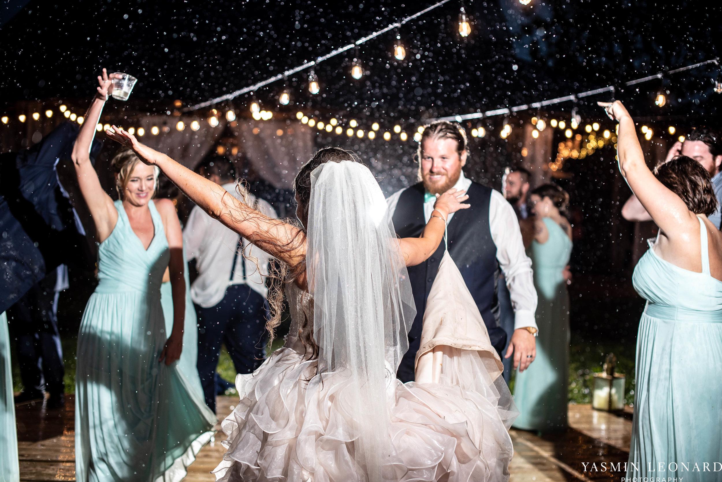 Rain on your wedding day - Rainy Wedding - Plan B for Rain - What to do if it rains on your wedding day - Wedding Inspiration - Outdoor wedding ideas - Rainy Wedding Pictures - Yasmin Leonard Photography-85.jpg