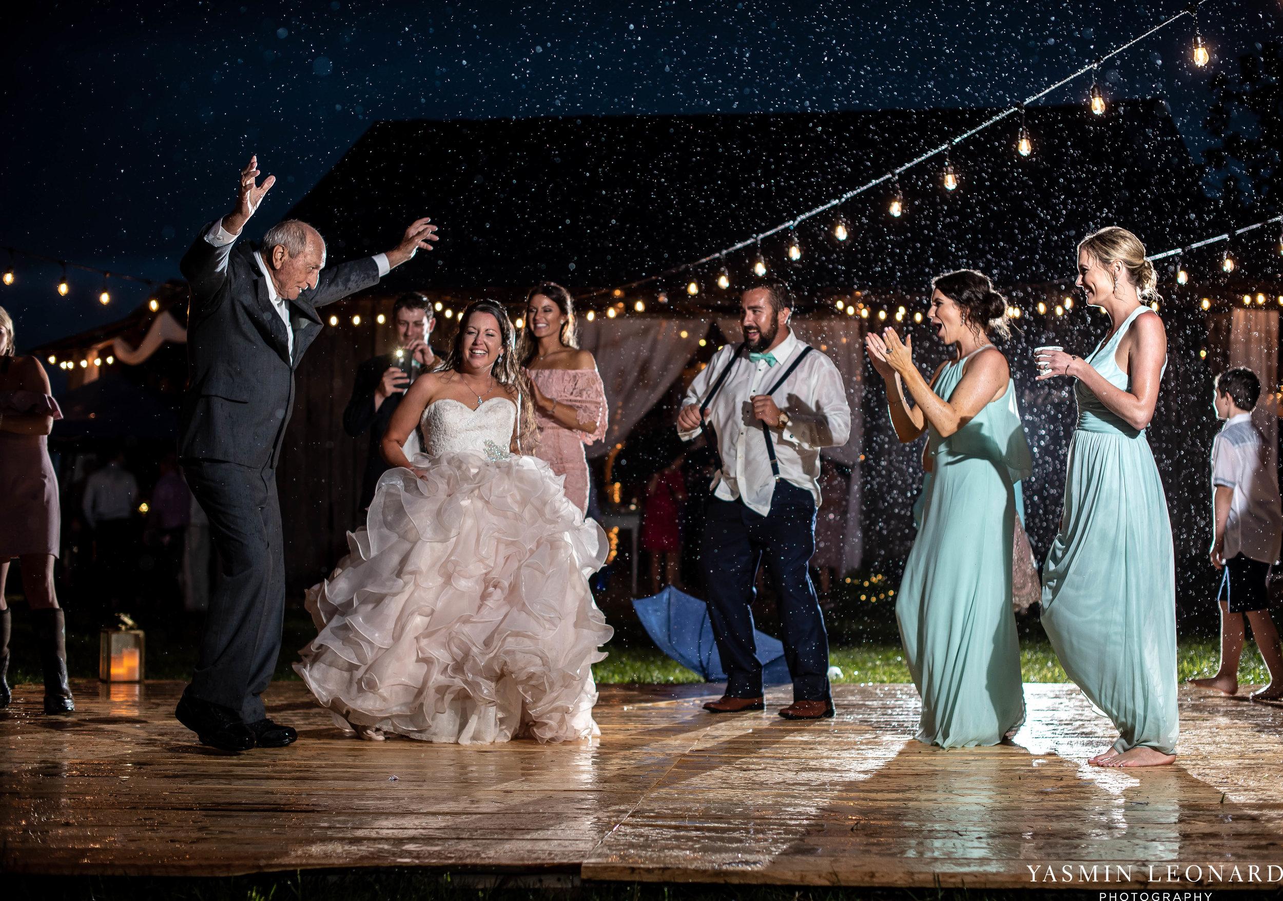 Rain on your wedding day - Rainy Wedding - Plan B for Rain - What to do if it rains on your wedding day - Wedding Inspiration - Outdoor wedding ideas - Rainy Wedding Pictures - Yasmin Leonard Photography-87.jpg
