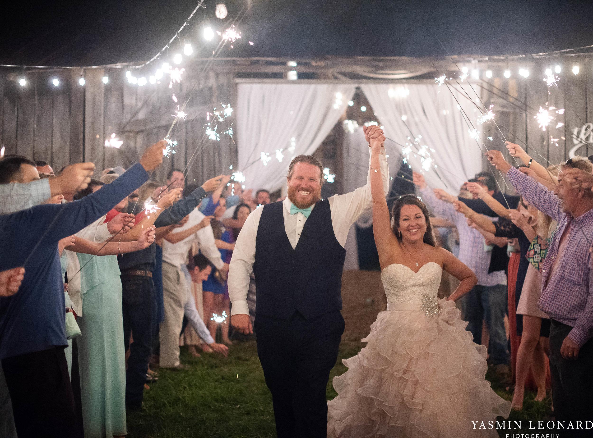Rain on your wedding day - Rainy Wedding - Plan B for Rain - What to do if it rains on your wedding day - Wedding Inspiration - Outdoor wedding ideas - Rainy Wedding Pictures - Yasmin Leonard Photography-90.jpg