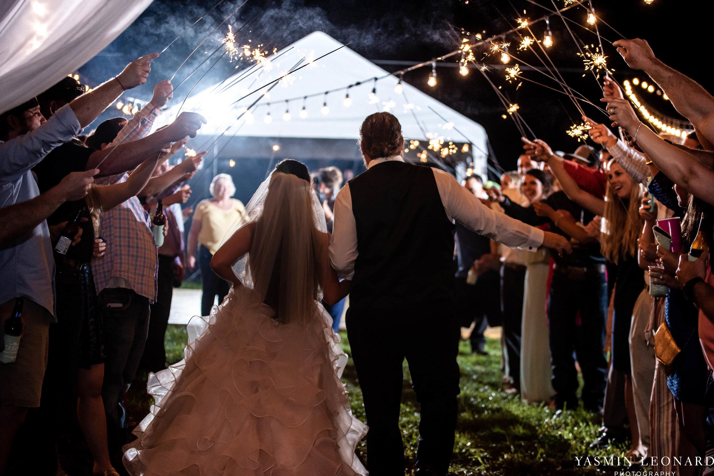 Rain on your wedding day - Rainy Wedding - Plan B for Rain - What to do if it rains on your wedding day - Wedding Inspiration - Outdoor wedding ideas - Rainy Wedding Pictures - Yasmin Leonard Photography-92.jpg