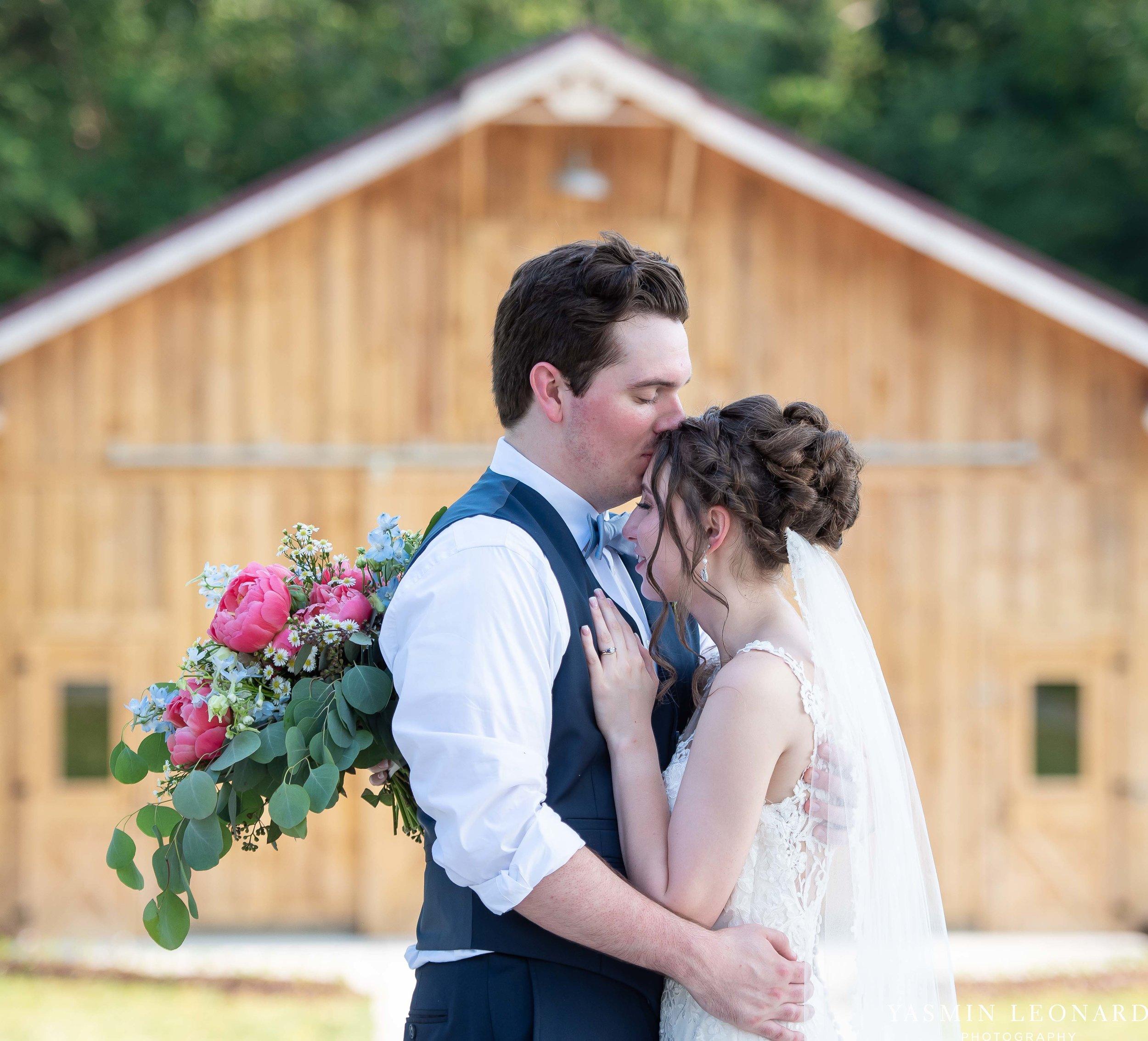 Old Homeplace Vineyard - NC Weddings - Outdoor Summer Weddings - Peony Boutique - Vineyard Wedding - NC Photographer - Yasmin Leonard Photography-37.jpg