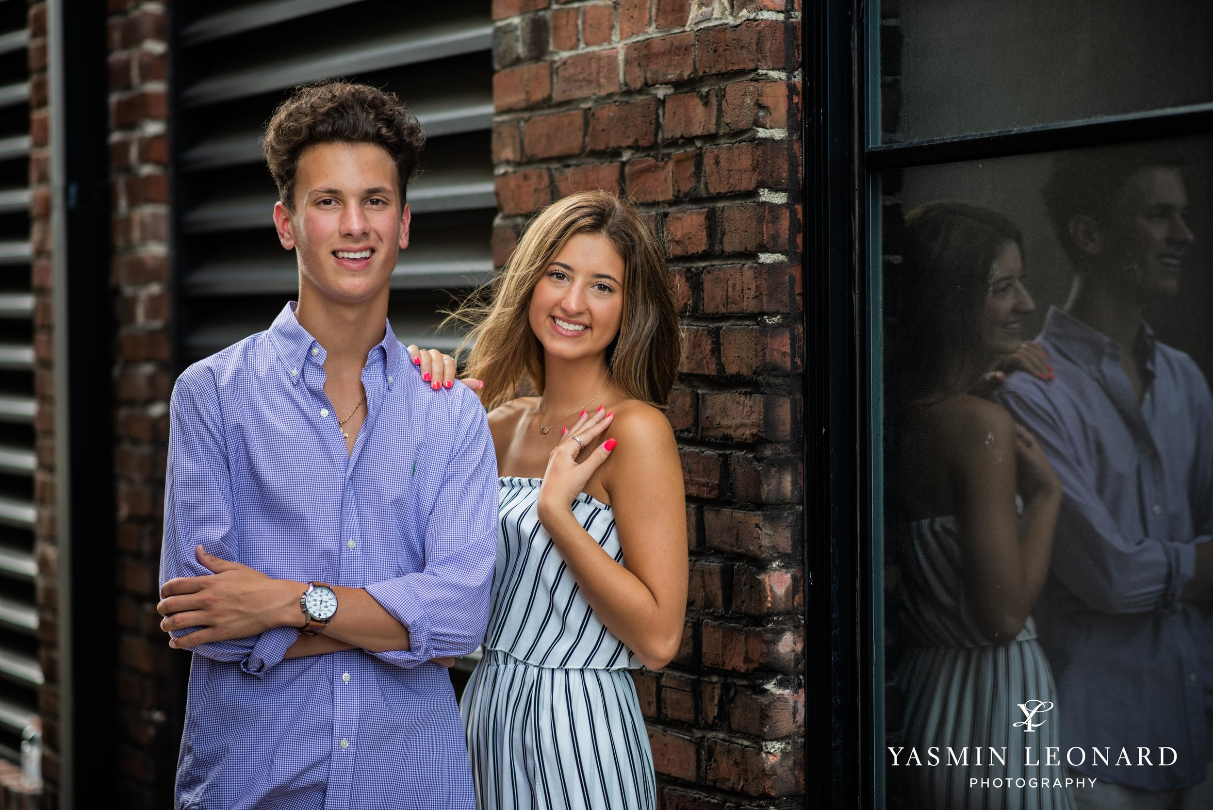 Twin Senior Portraits - Senior Pictures with your twin - How to pose twins - NC SEnior - Senior Pictures - Senior Twins - High Point Senior Portraits - Winston Senior Portraits - Yasmin Leonard Photography-6.jpg