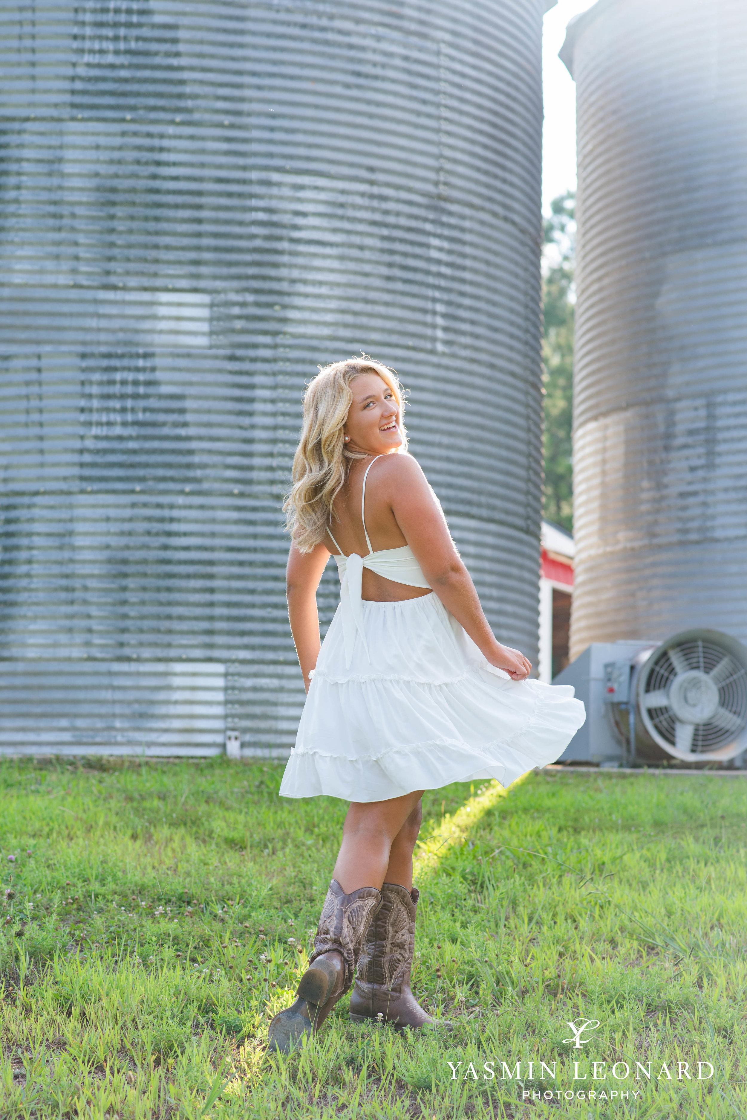 Senior Poses - Girl Senior Poses - Country Senior - Tractor with Senior - Tanglewood Senoir Portratis - Summer Senior Portrait Outfits - Yasmin Leonard PHotography-5.jpg