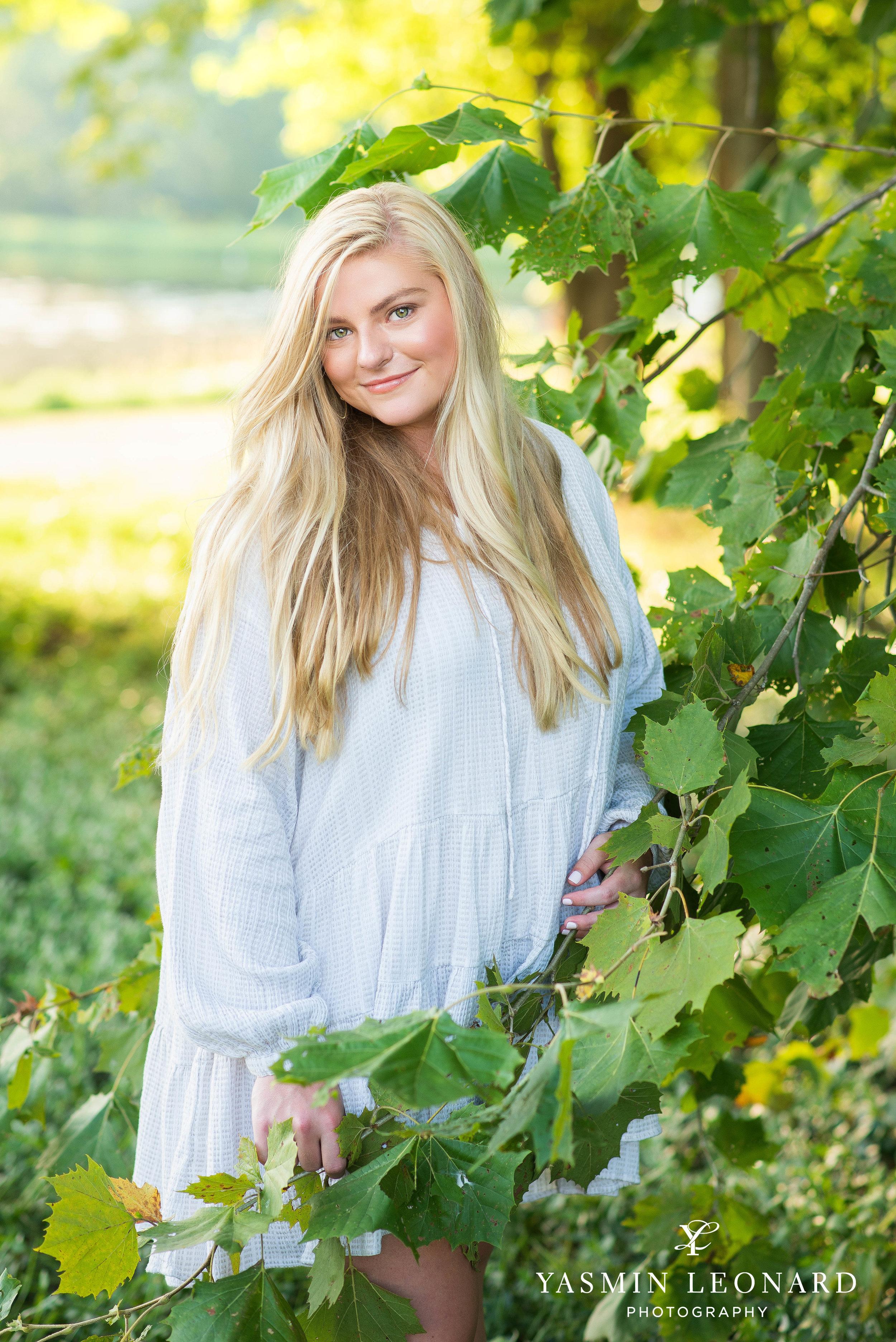 Senior Poses - Girl Senior Poses - Country Senior - Tractor with Senior - Willow Creek Senoir Portratis - Summer Senior Portrait Outfits - Yasmin Leonard PHotography - Mackenzie-3.jpg
