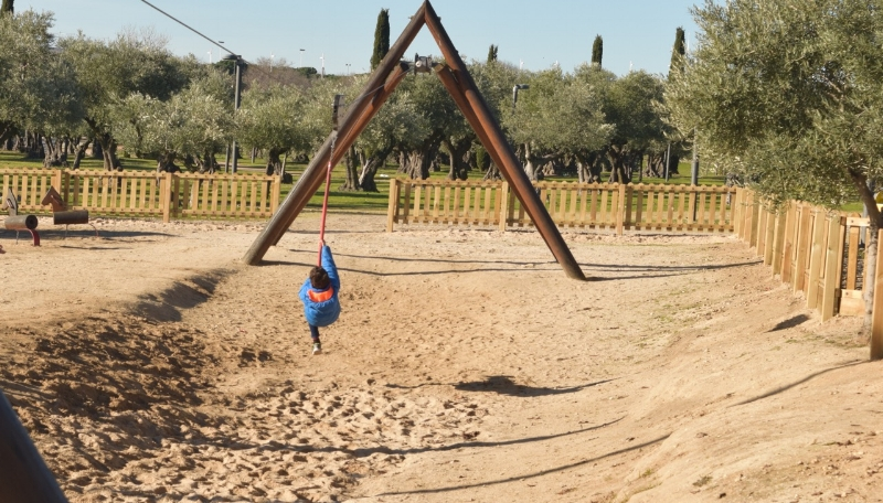 The zipline is always a kid-pleaser at the Juan Carlos I Park
