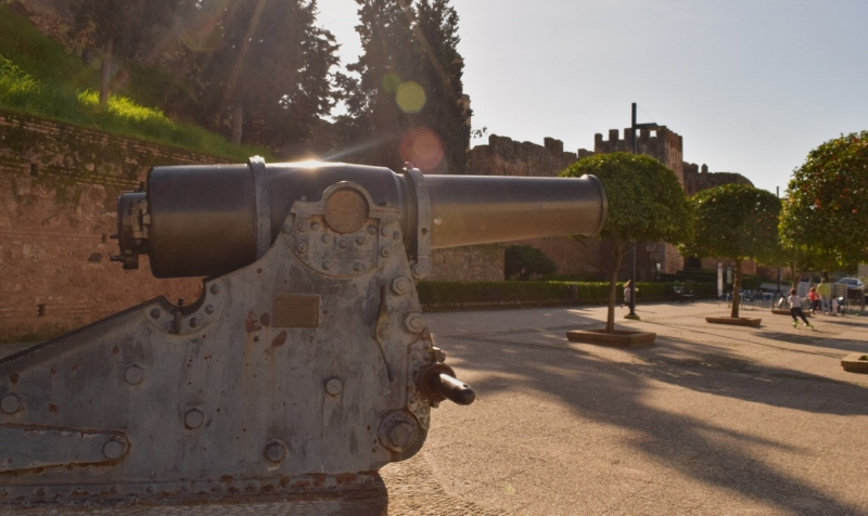 Niebla was the first place in Western Europe to use gunpowder in military