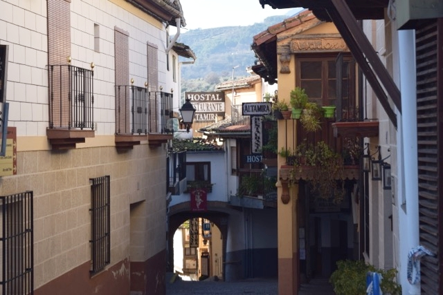 Wandering the streets you will find cobblestone streets, archways and picturesque corners.