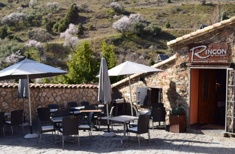 One of the 1st restaurants you will see as you enter Patones is Rincón.