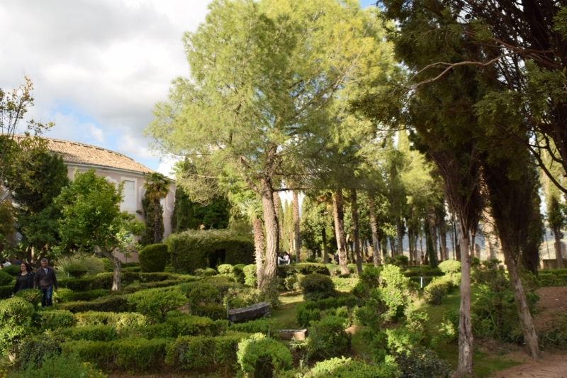 The gardens of the cloth factory