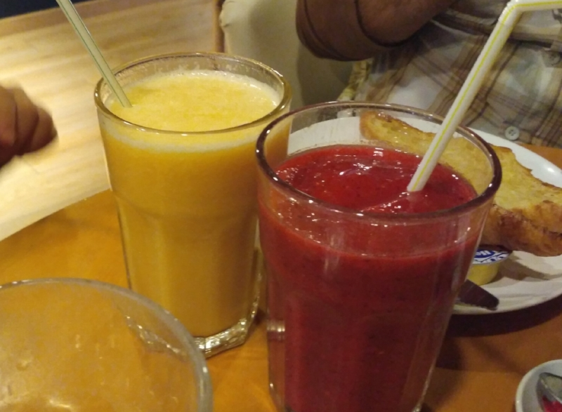 Smoothies in Mas Q Menos.